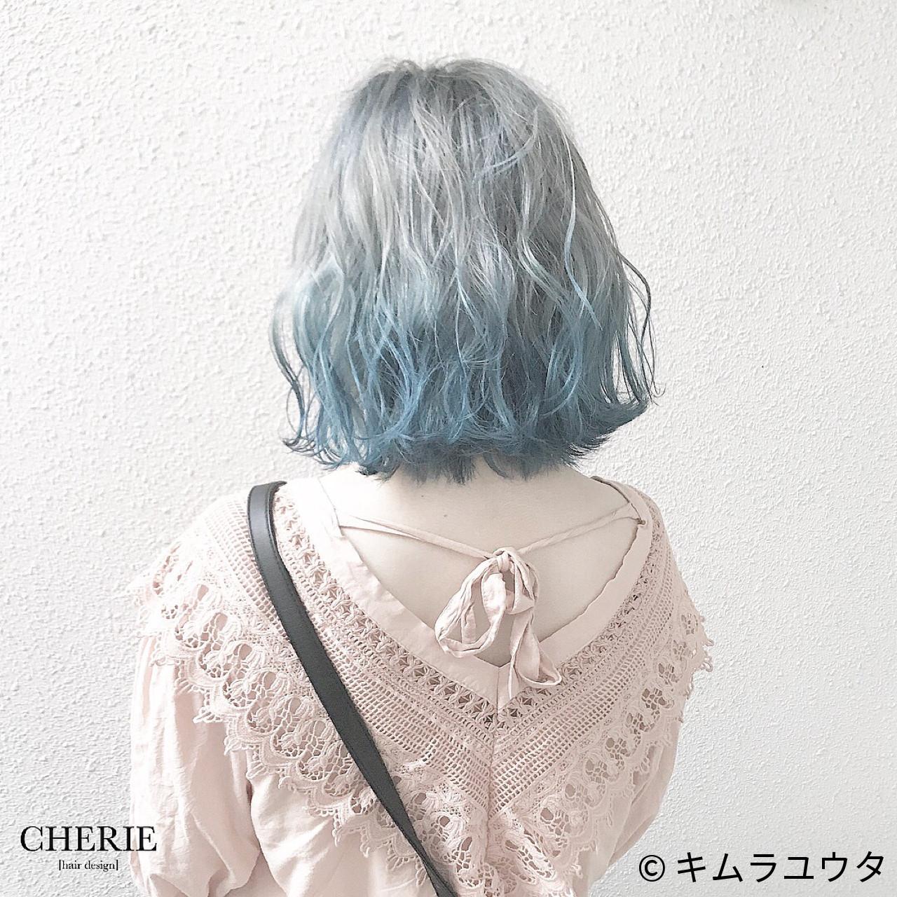 インナーカラー カラーバター ボブ ブルー ヘアスタイルや髪型の写真・画像