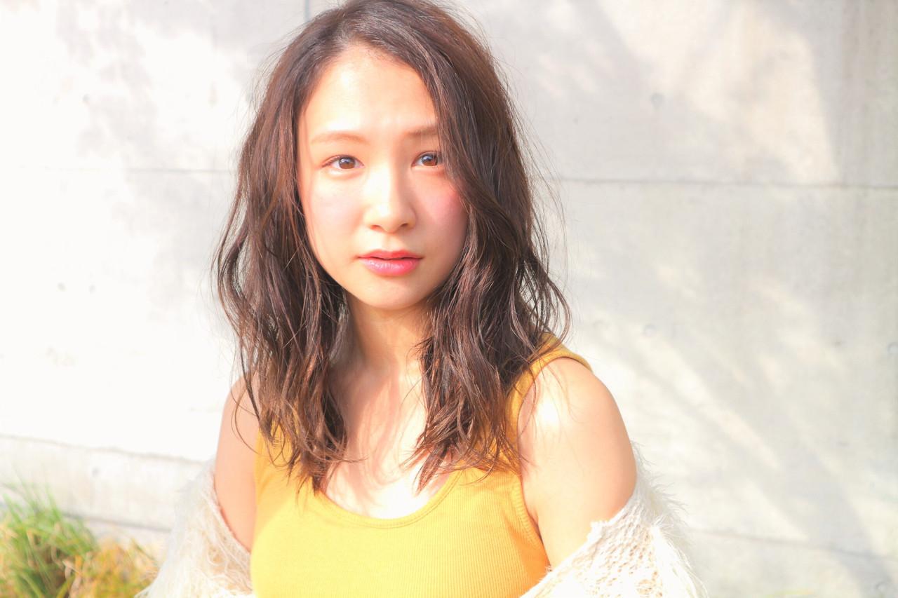 デート アンニュイほつれヘア 成人式 フェミニン ヘアスタイルや髪型の写真・画像