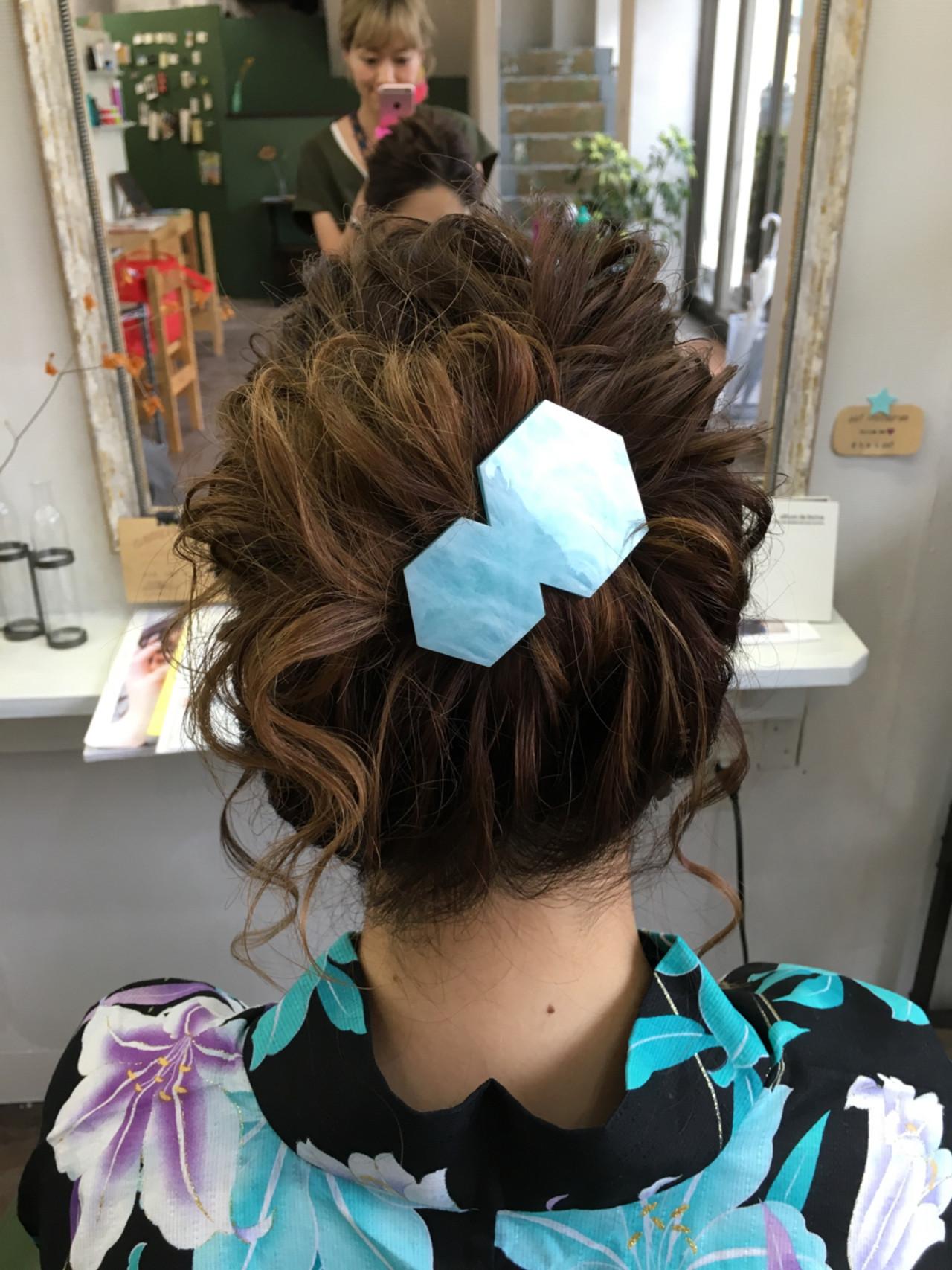 お団子にぴったりの大きめバレッタ 岩垂 和枝  hair make design paf
