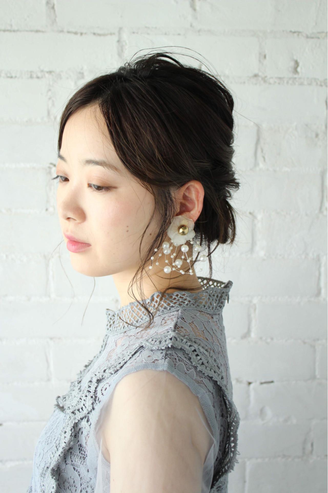 まとめ髪 大人かわいい ミディアム フェミニン ヘアスタイルや髪型の写真・画像