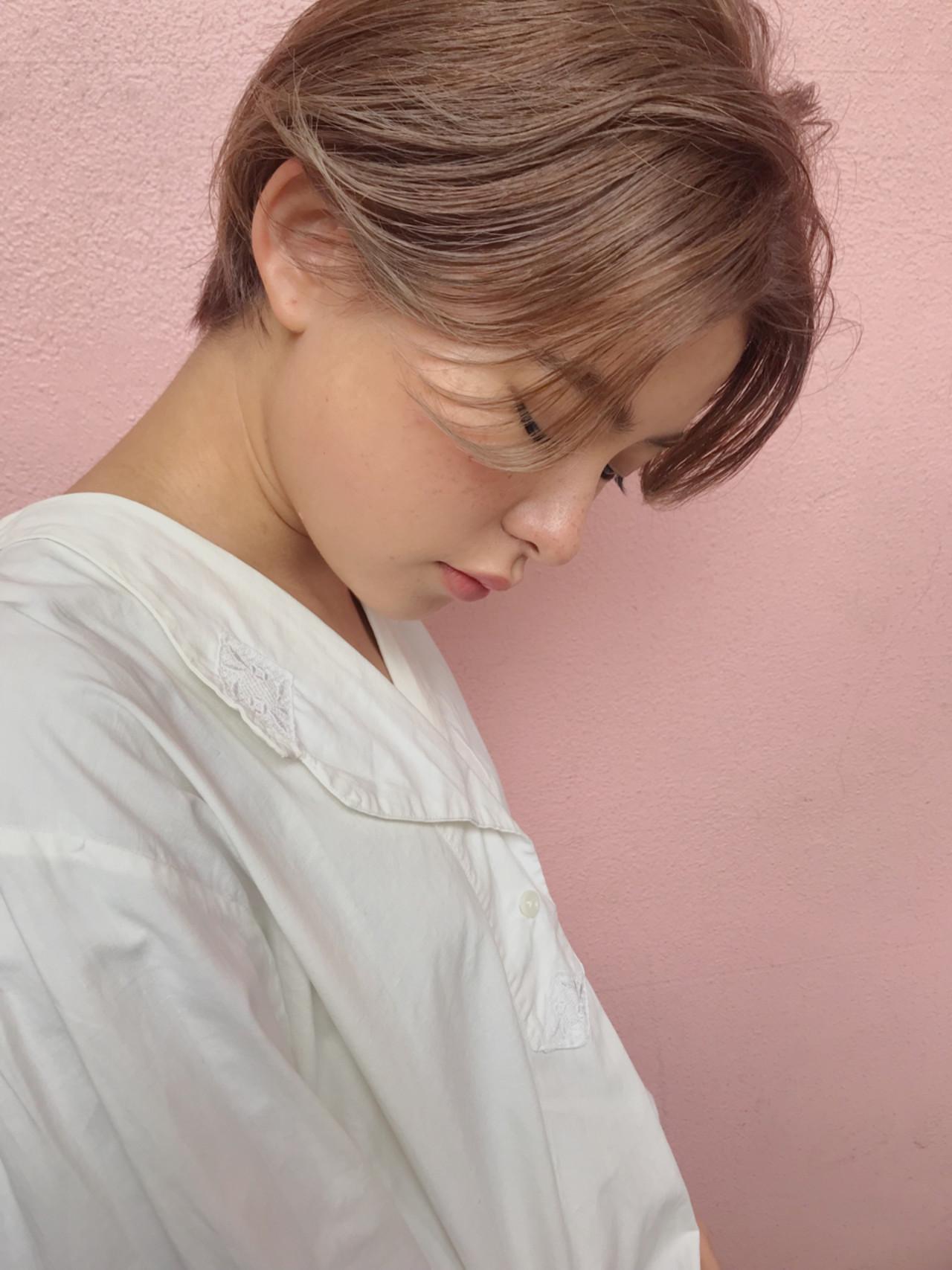 透明感 アッシュベージュ フェミニン デート ヘアスタイルや髪型の写真・画像