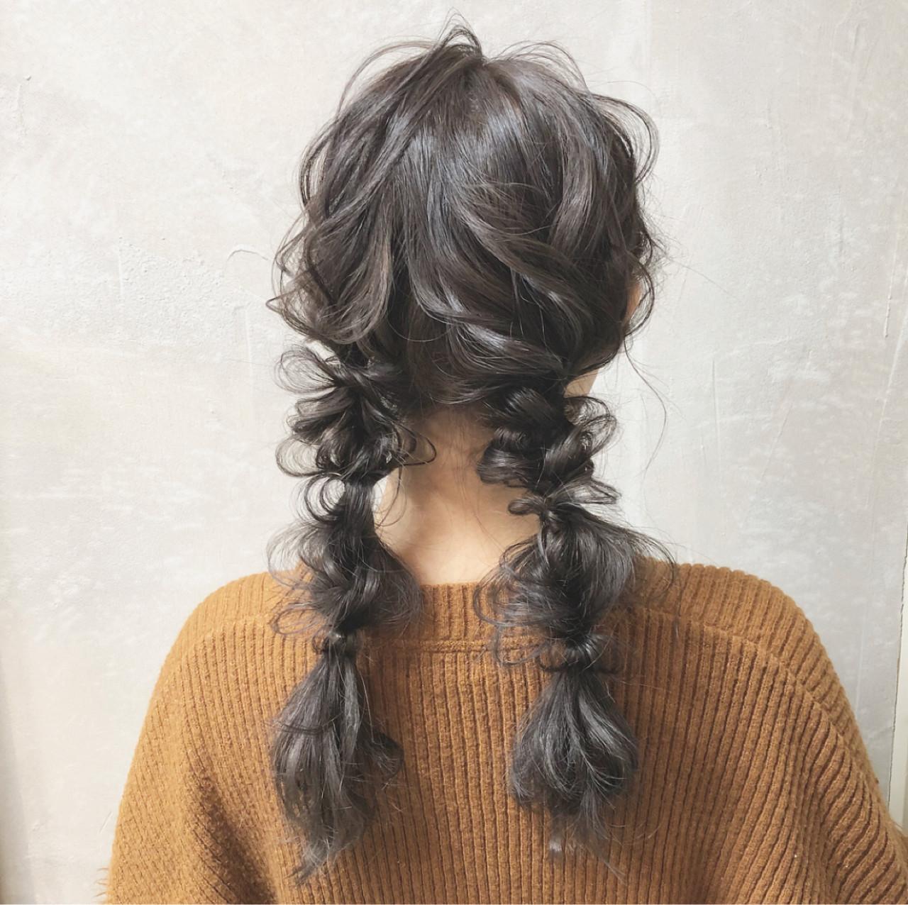 編みおろしツイン セミロング 編み込み 大人かわいい ヘアスタイルや髪型の写真・画像