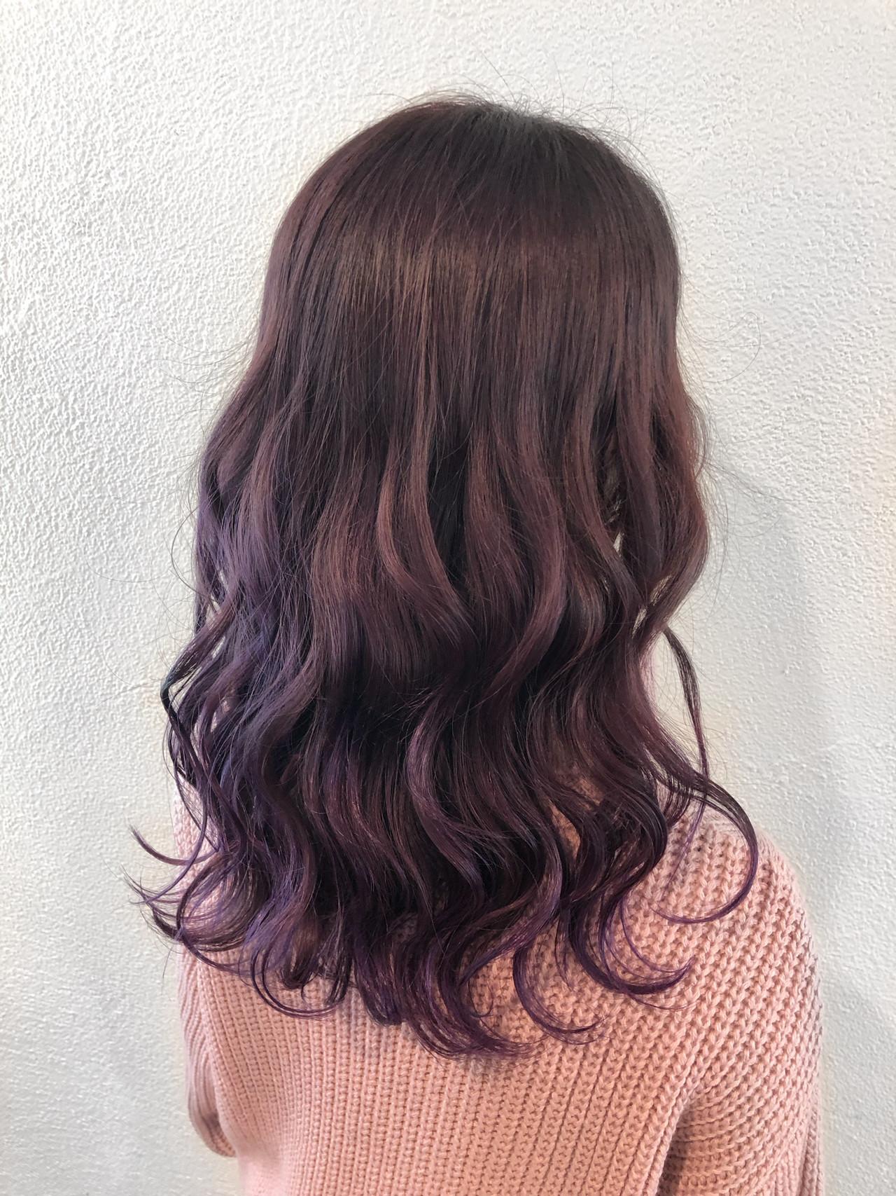 ダークカラー グレーアッシュ パープル グレージュ ヘアスタイルや髪型の写真・画像