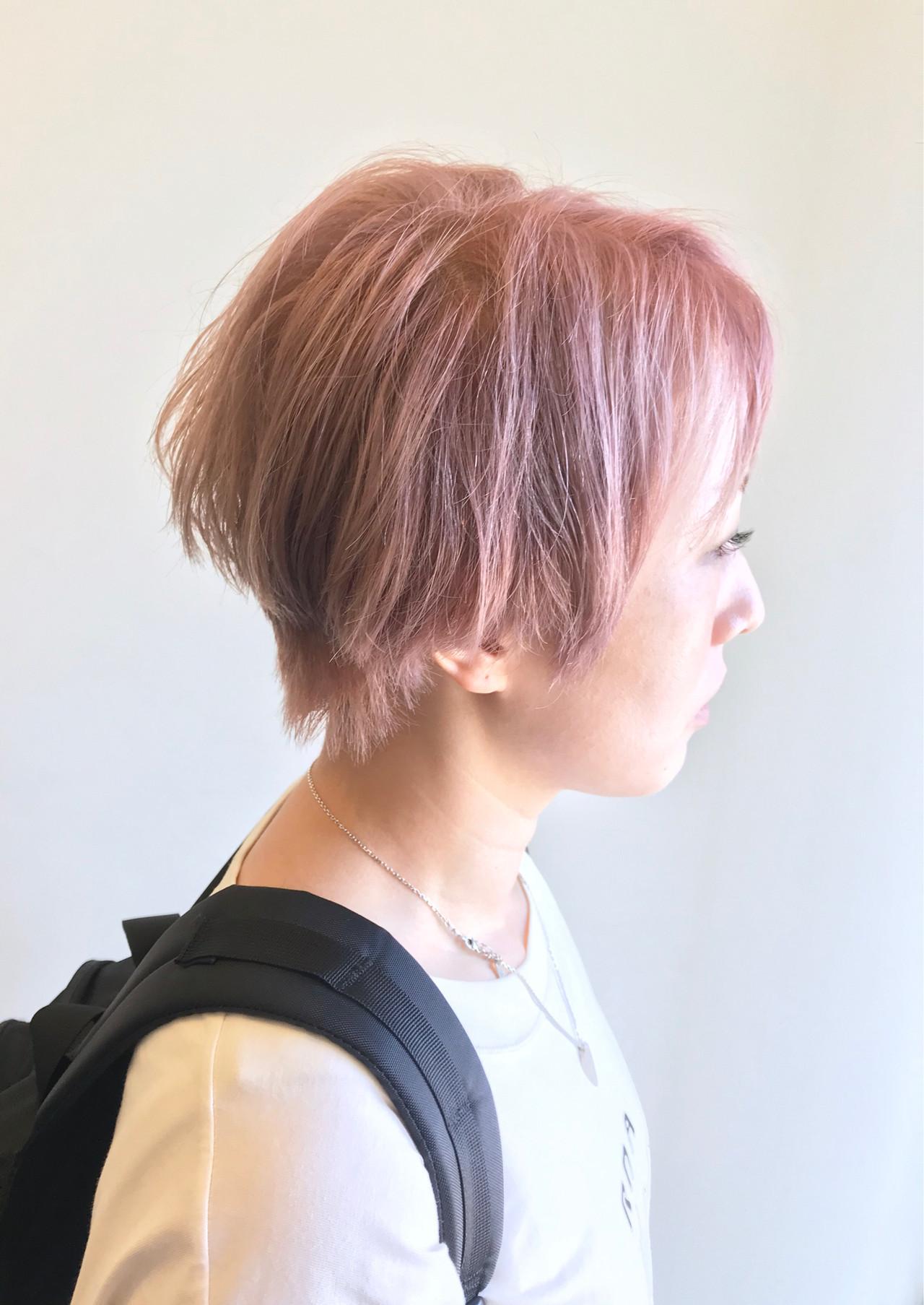 ハイトーンカラー ショート モード ピンクベージュ ヘアスタイルや髪型の写真・画像