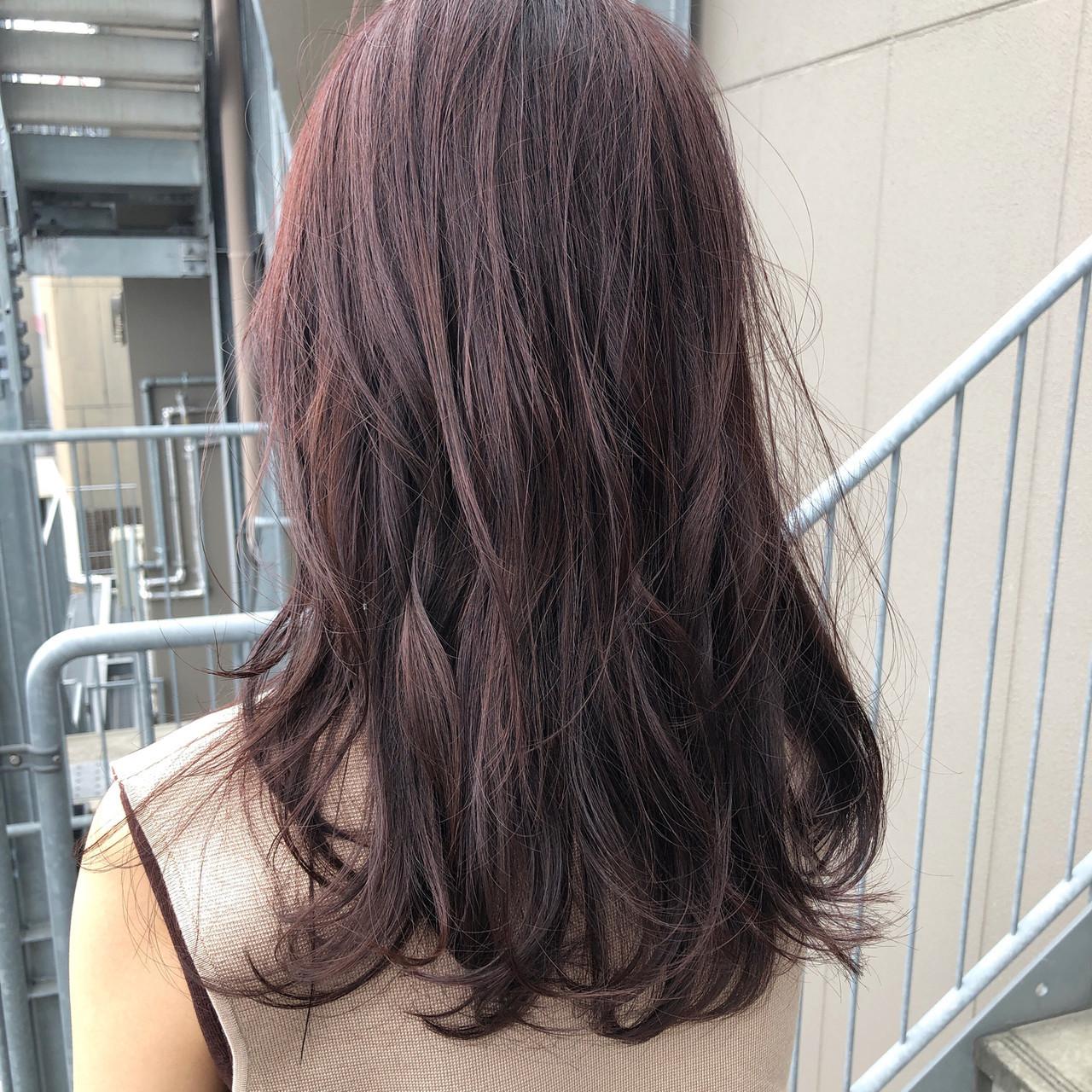 ベリーピンク ナチュラル ラズベリーピンク ミディアム ヘアスタイルや髪型の写真・画像