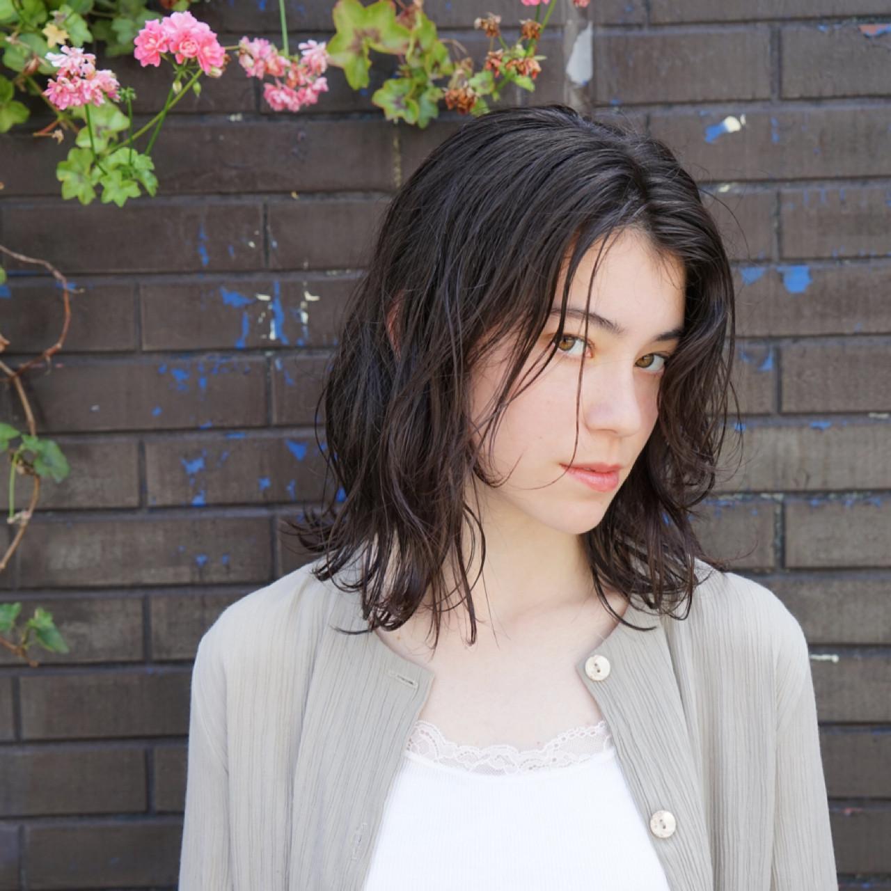 ボブ ロブ 女子会 ウェーブ ヘアスタイルや髪型の写真・画像