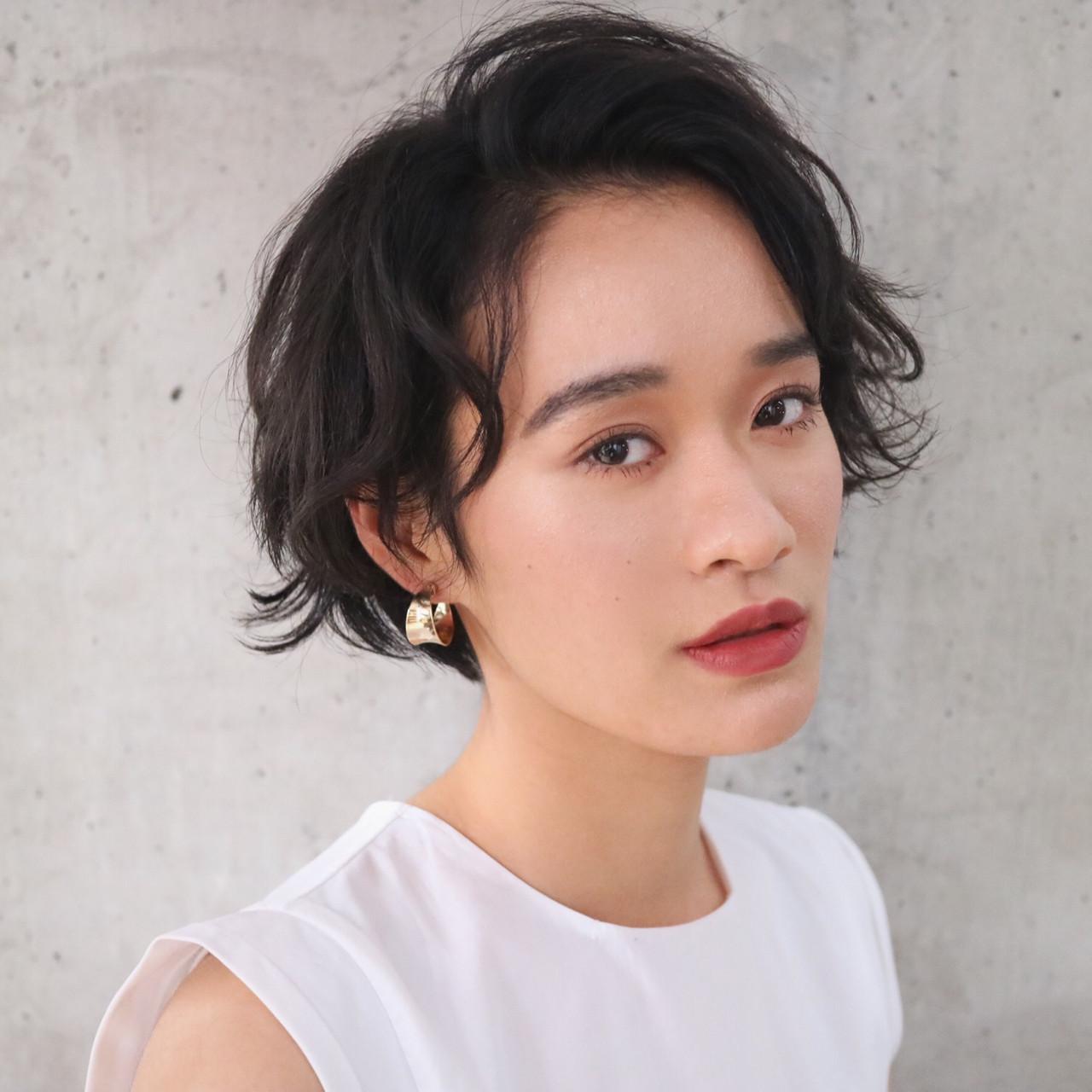 ショート モード アンニュイ ジェンダーレス ヘアスタイルや髪型の写真・画像