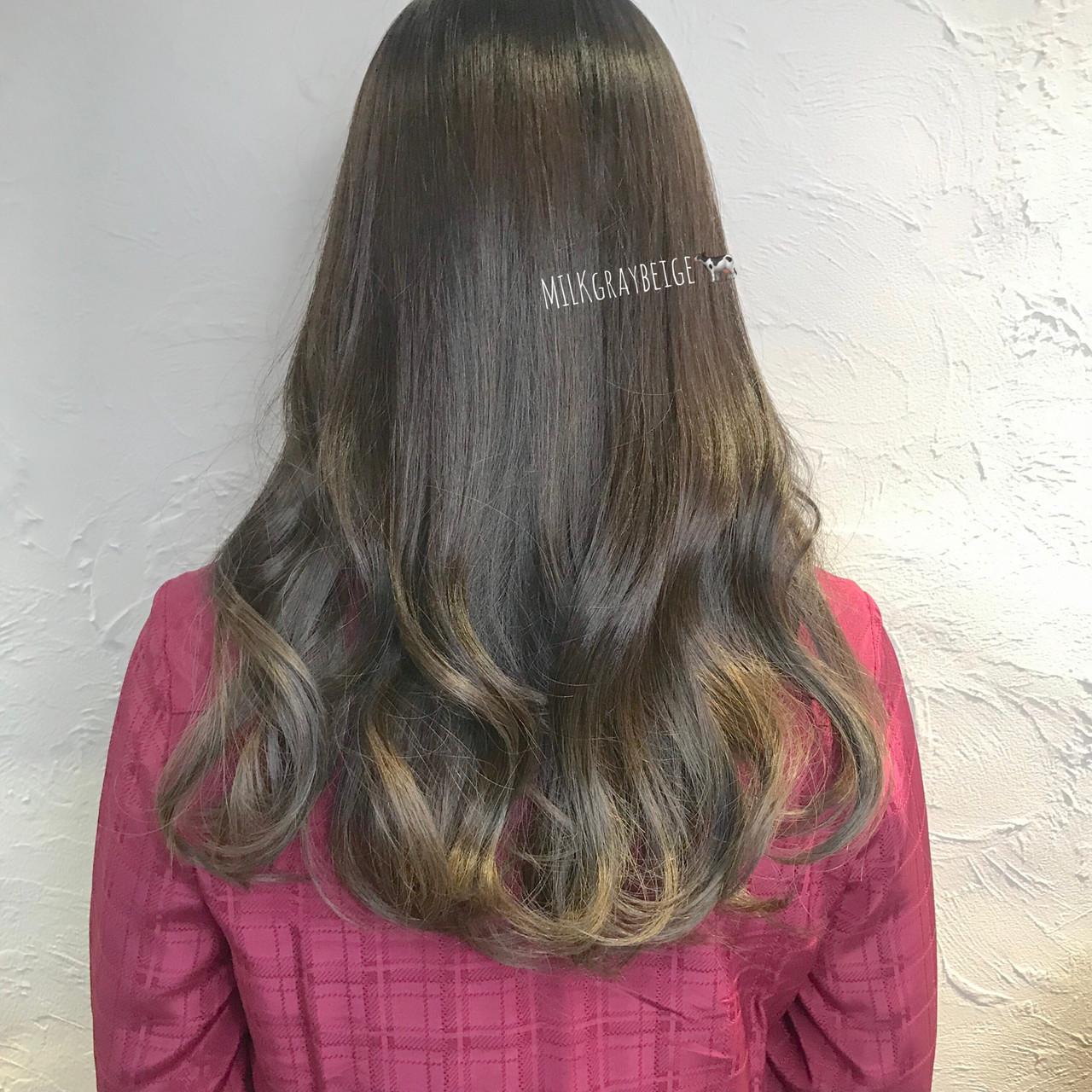 ショコラブラウン ナチュラル ブルーアッシュ ロング ヘアスタイルや髪型の写真・画像