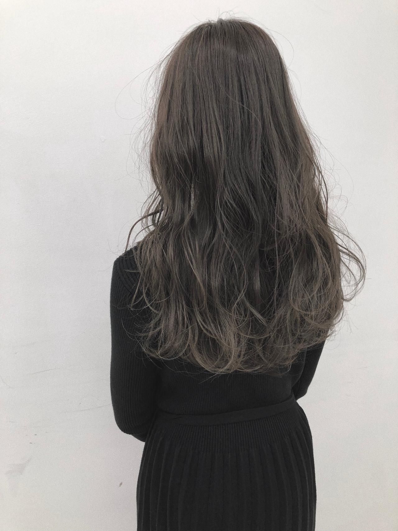 ブルーアッシュ デート ブルージュ ナチュラル ヘアスタイルや髪型の写真・画像