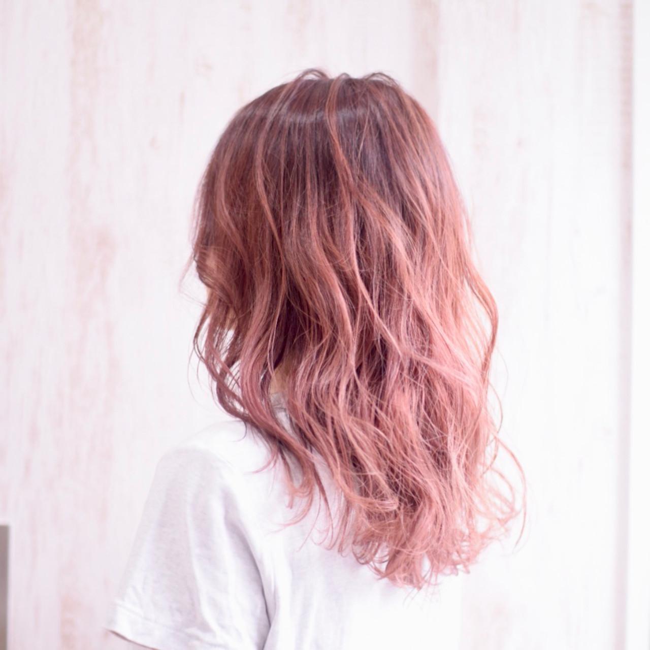 ピンク髪でかわいくアップデートしよう!レングス別ヘアスタイル15選