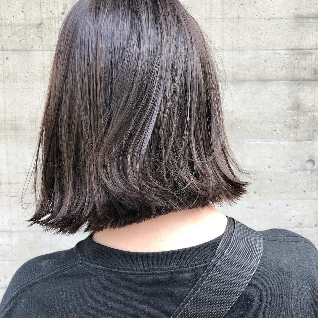 グレージュ 外ハネ 外ハネボブ ナチュラル ヘアスタイルや髪型の写真・画像