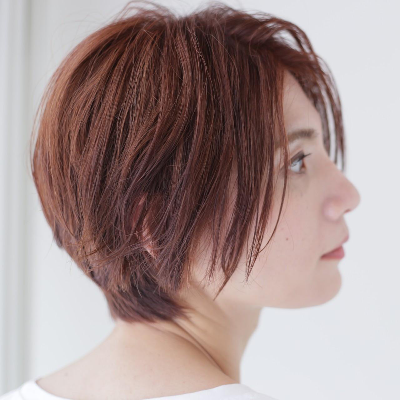 縮毛矯正とストレートパーマの違いは何?憧れのサラツヤヘアをゲット!