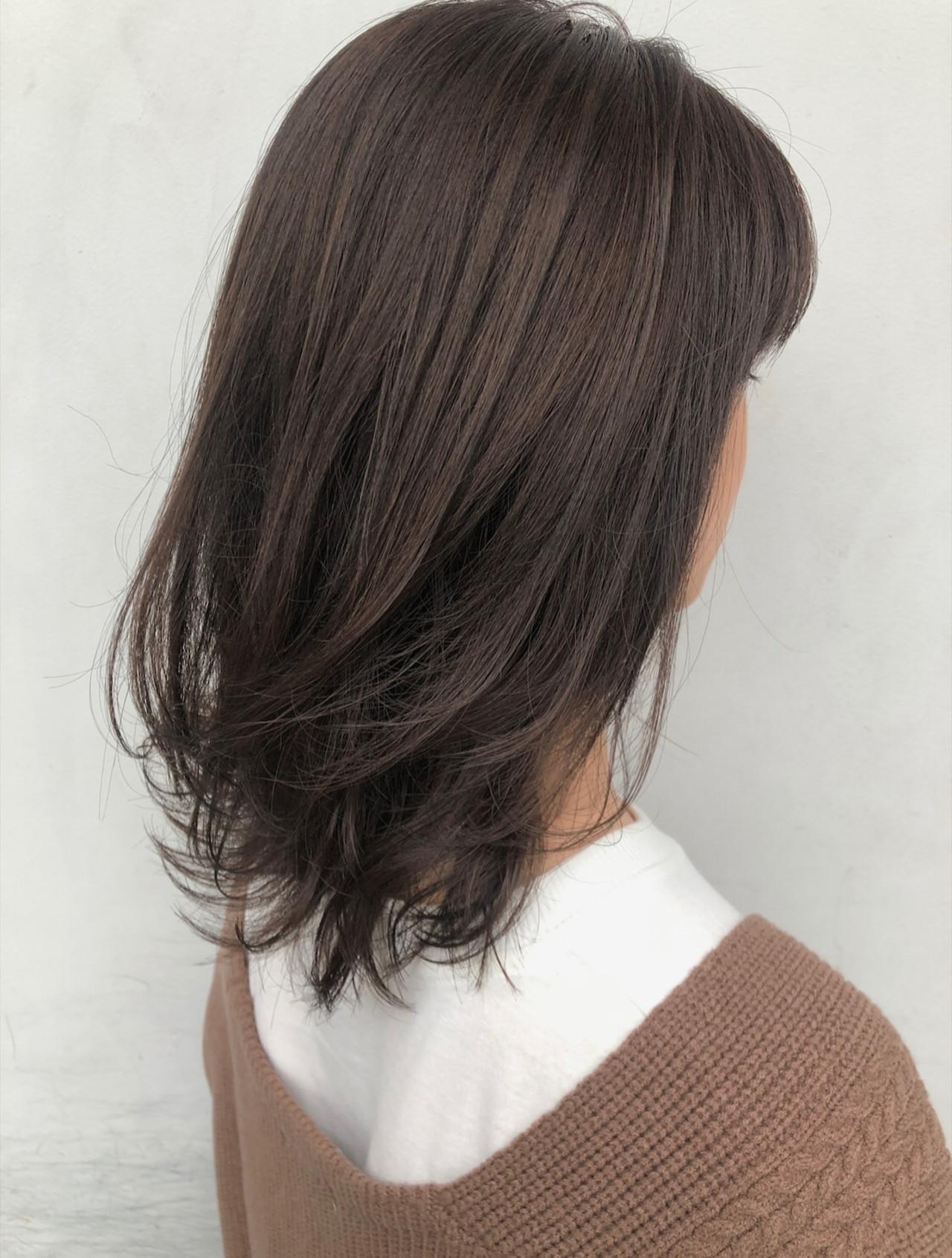 ラベンダーアッシュ ミディアム ベージュ ブラウンベージュ ヘアスタイルや髪型の写真・画像
