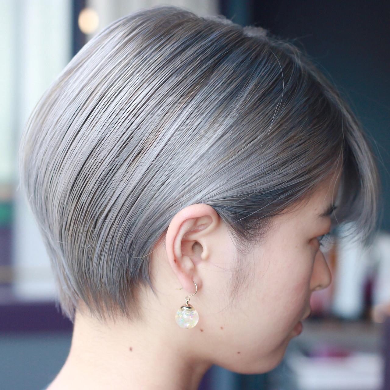 派手髪 ハイトーンカラー ショート ホワイトブリーチ ヘアスタイルや髪型の写真・画像