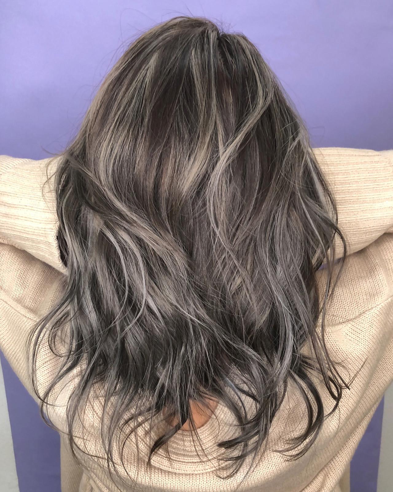 大人ハイライト ストリート ハイライト セミロング ヘアスタイルや髪型の写真・画像