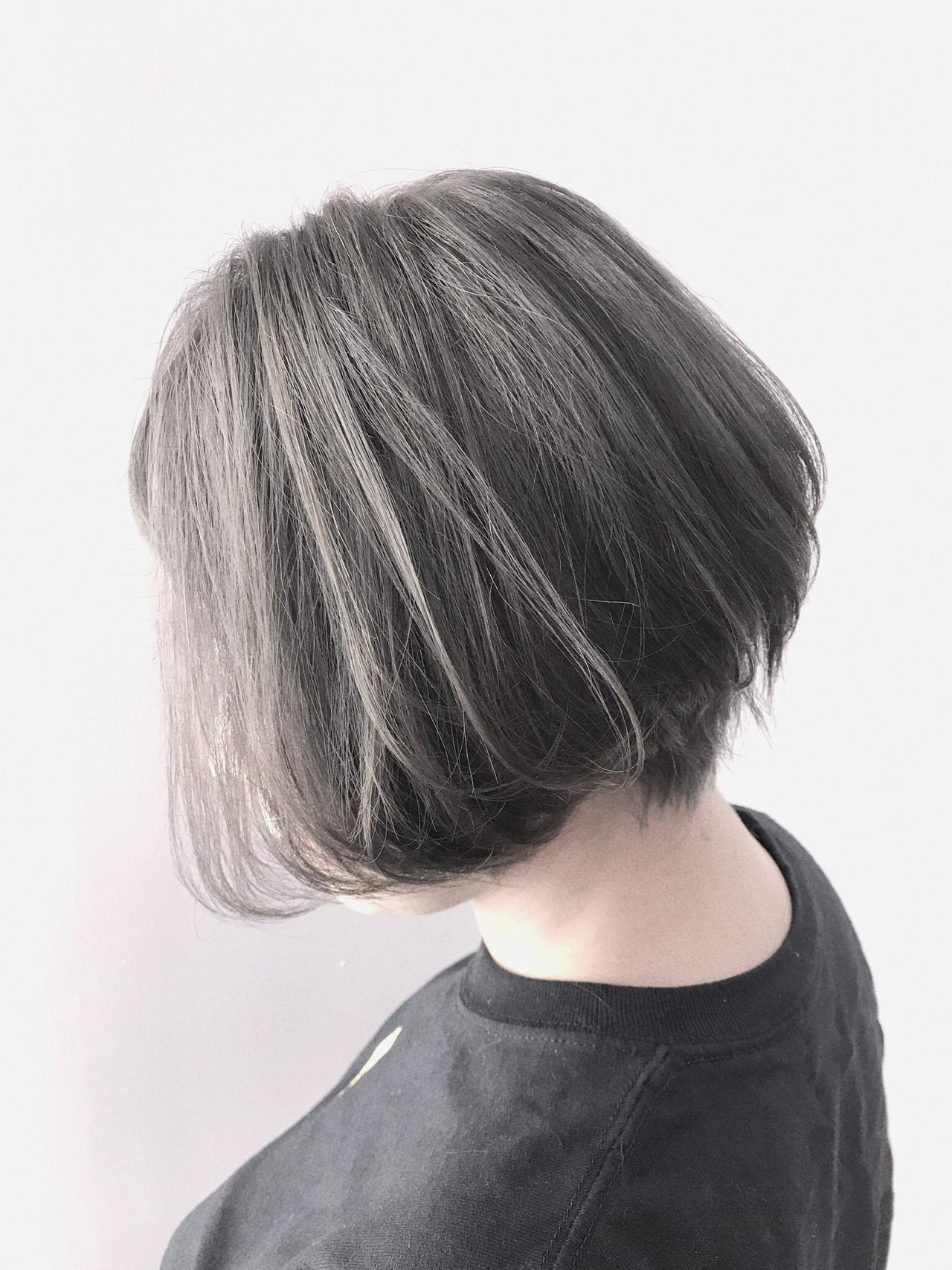 ショートボブ モード ハンサムショート アッシュグレー ヘアスタイルや髪型の写真・画像