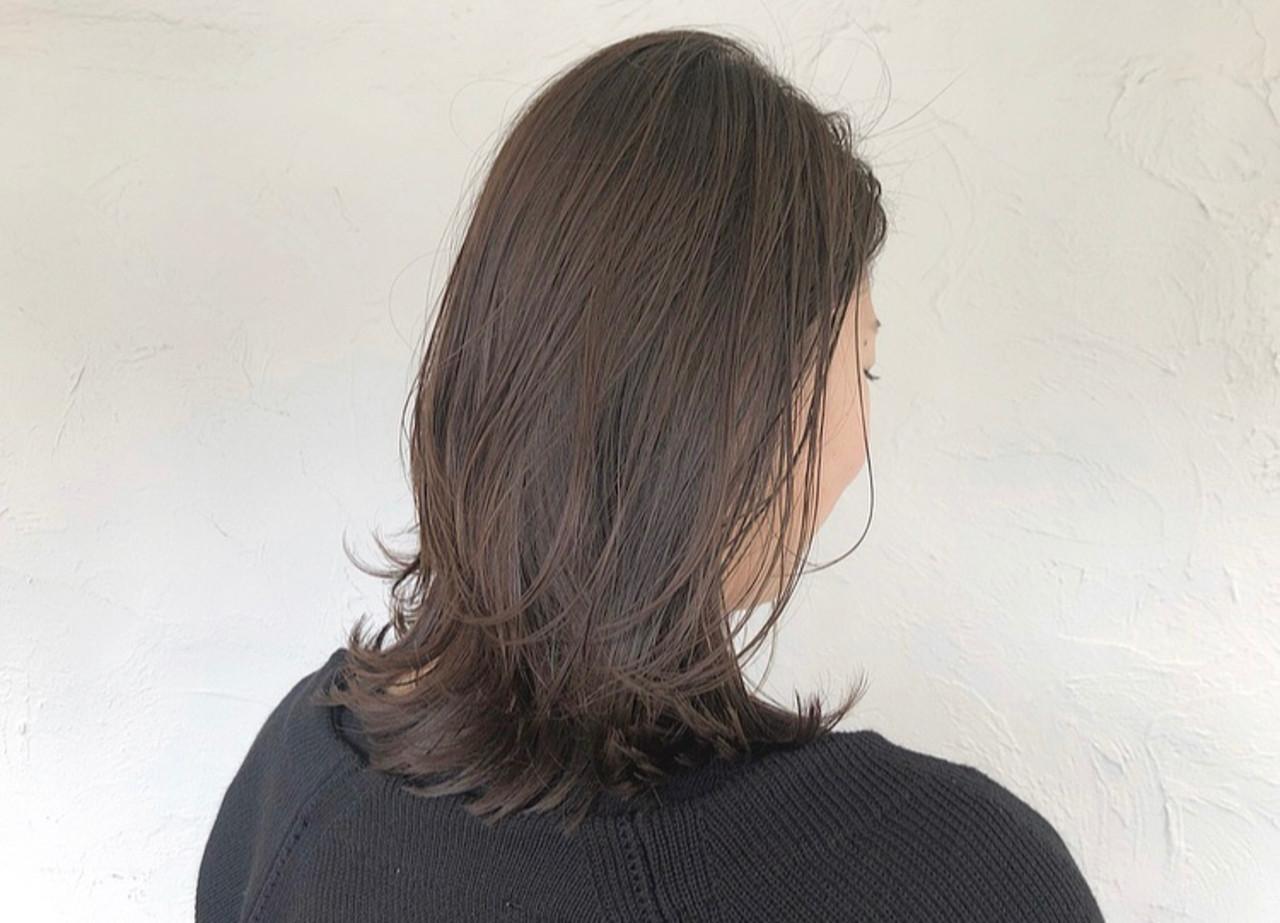 ミディアムレイヤー ミディアム ウェット感 ナチュラル ヘアスタイルや髪型の写真・画像