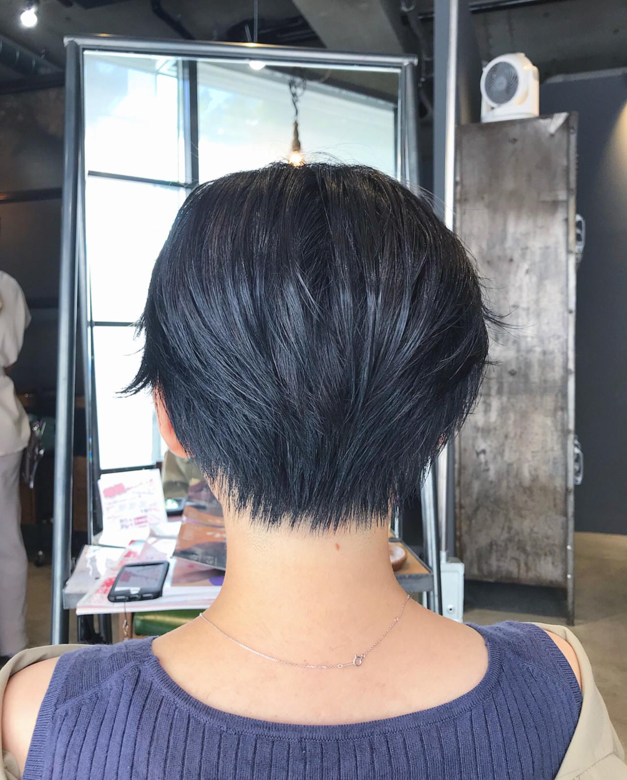 ブルーブラック ナチュラル ハンサムショート oggiotto ヘアスタイルや髪型の写真・画像
