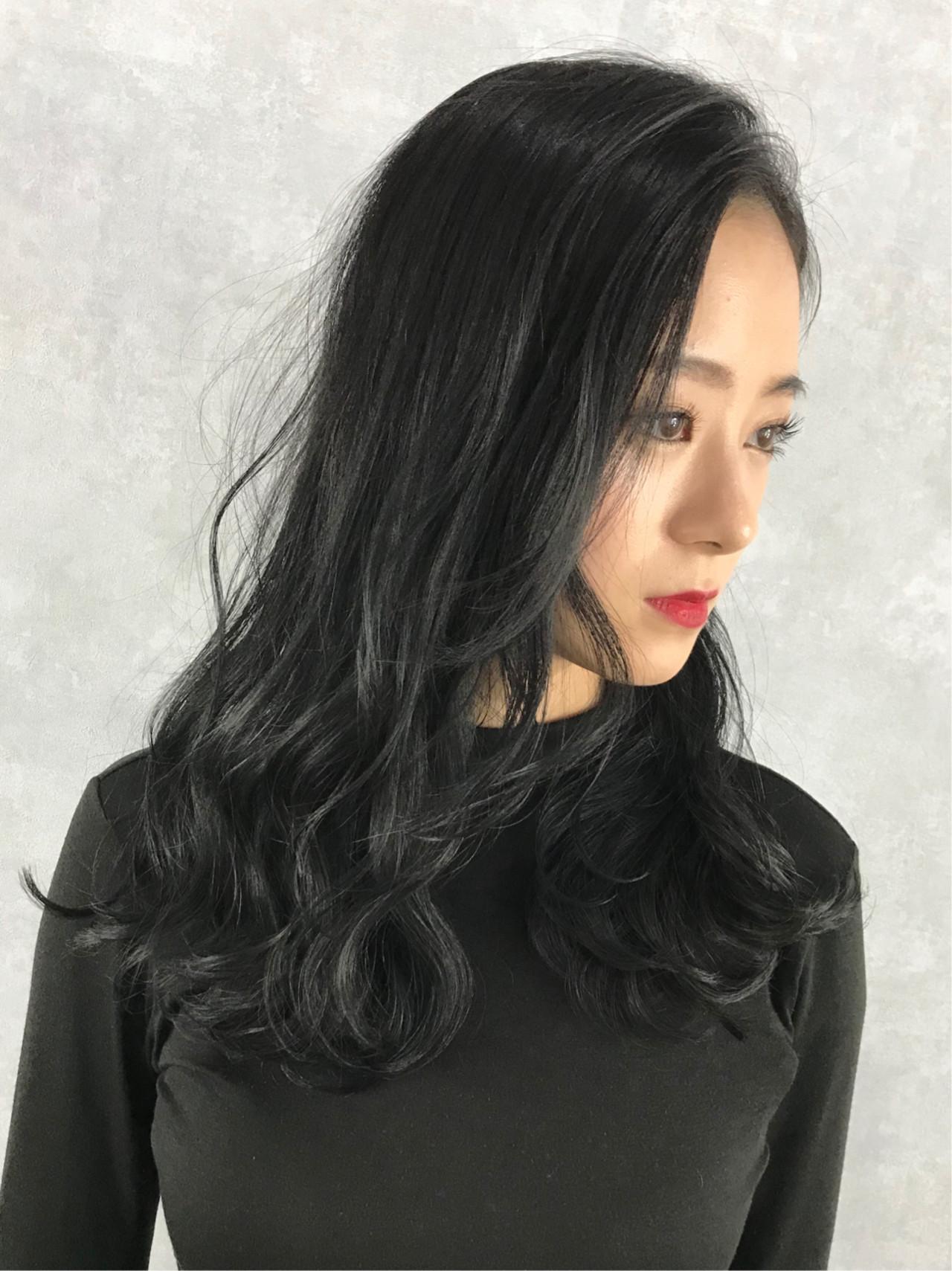 ネイビーカラー モード レイヤーカット ネイビー ヘアスタイルや髪型の写真・画像