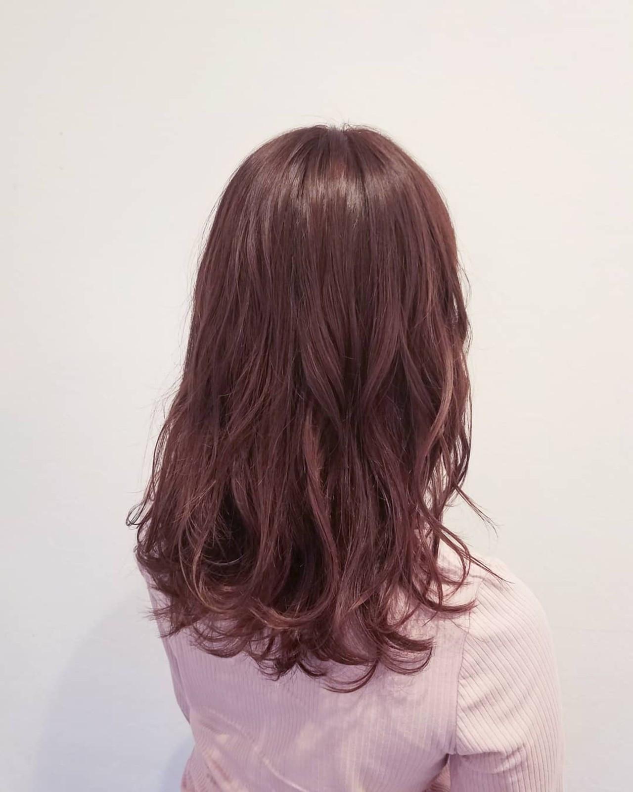 春 ピンク ロング デート ヘアスタイルや髪型の写真・画像