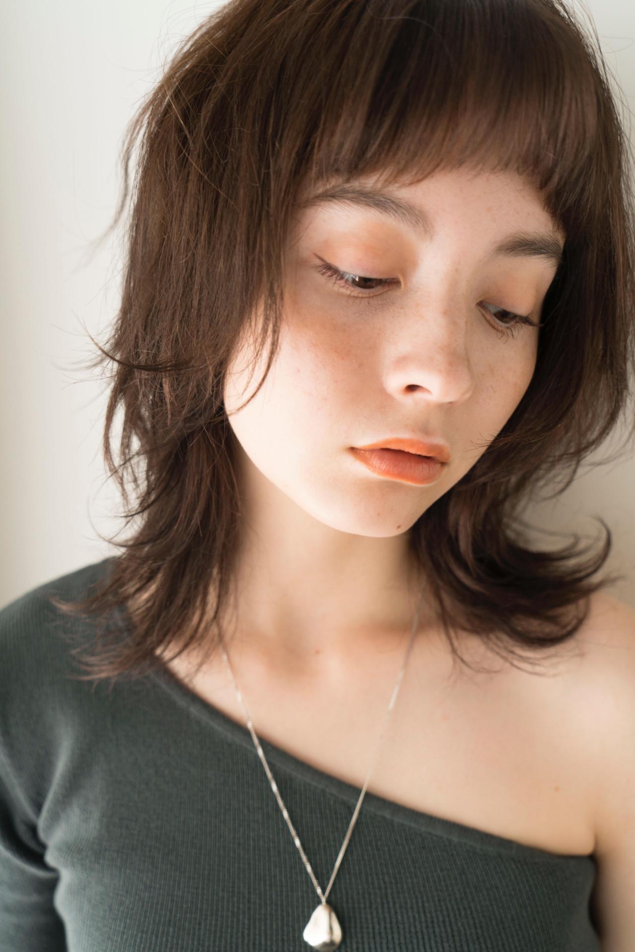 ウルフ女子 ニュアンスウルフ ミディアム マッシュウルフ ヘアスタイルや髪型の写真・画像