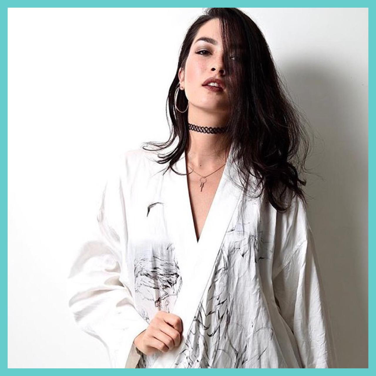 ロング 黒髪 エレガント 外国人風 ヘアスタイルや髪型の写真・画像
