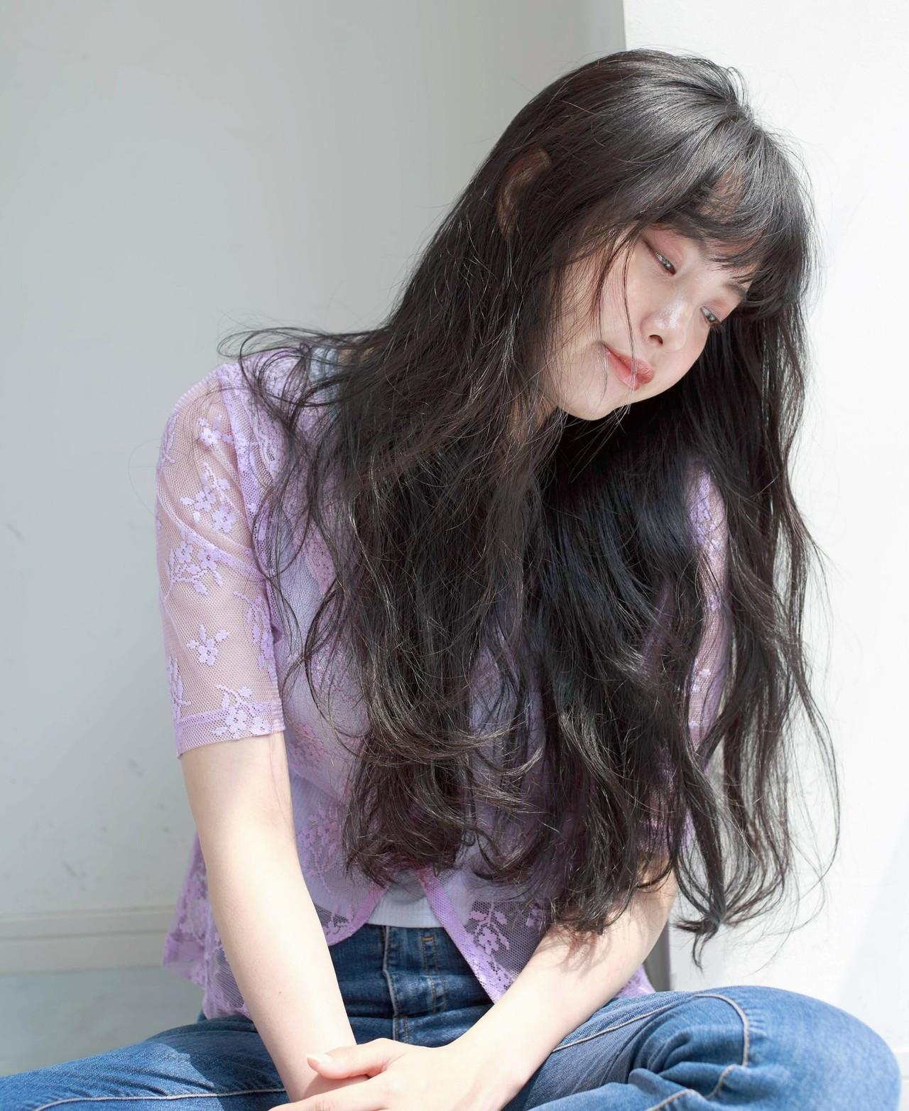 フェミニン パーマ デート 黒髪 ヘアスタイルや髪型の写真・画像
