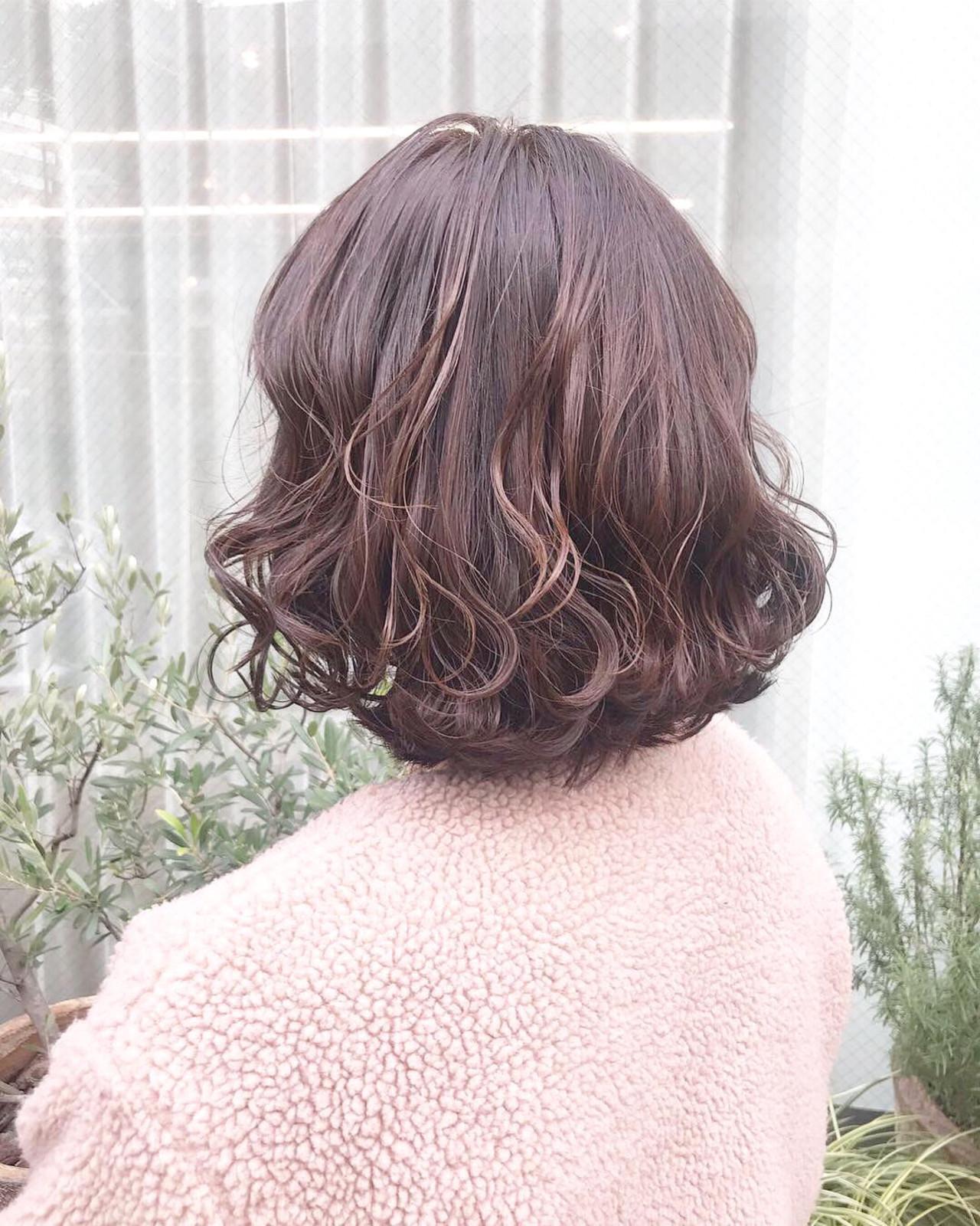 ガーリー ボブ 波巻き 大人ハイライト ヘアスタイルや髪型の写真・画像