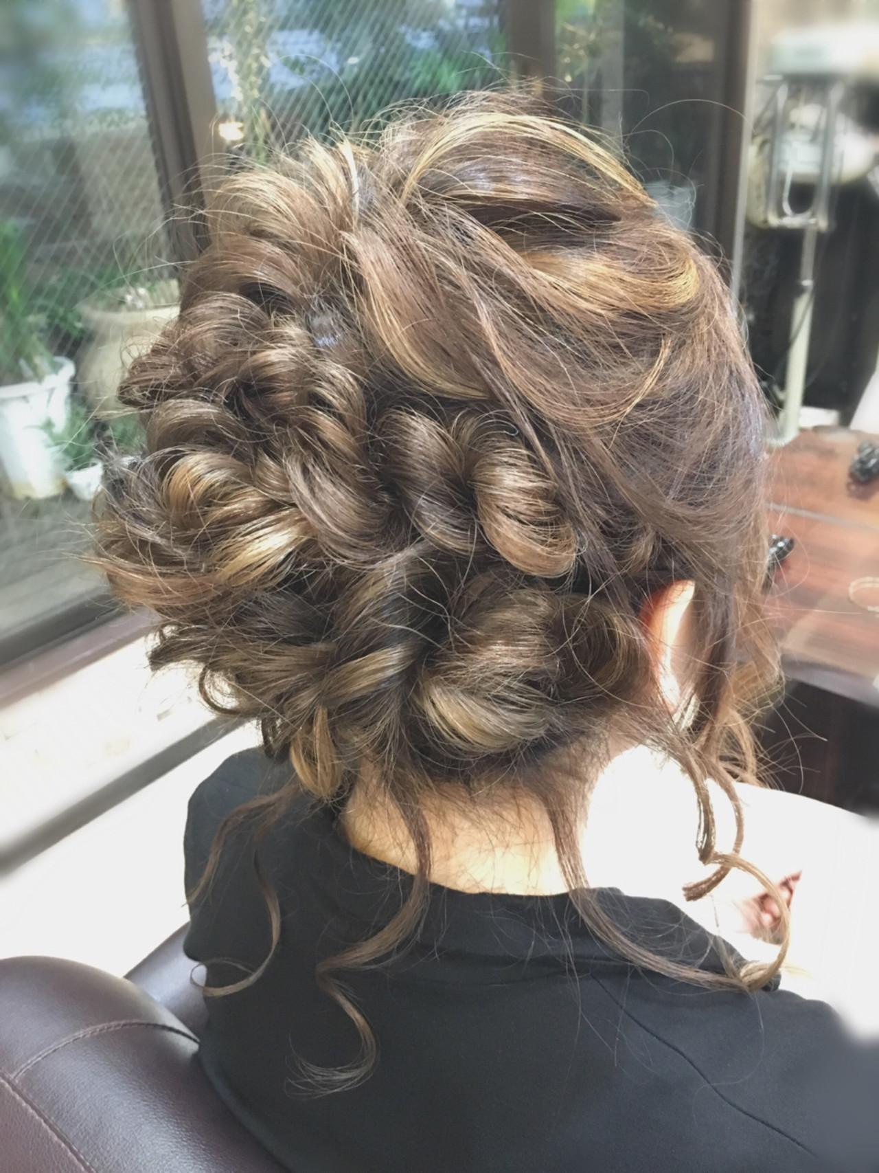 くるりんぱ セミロング 編み込み ロープ編み ヘアスタイルや髪型の写真・画像