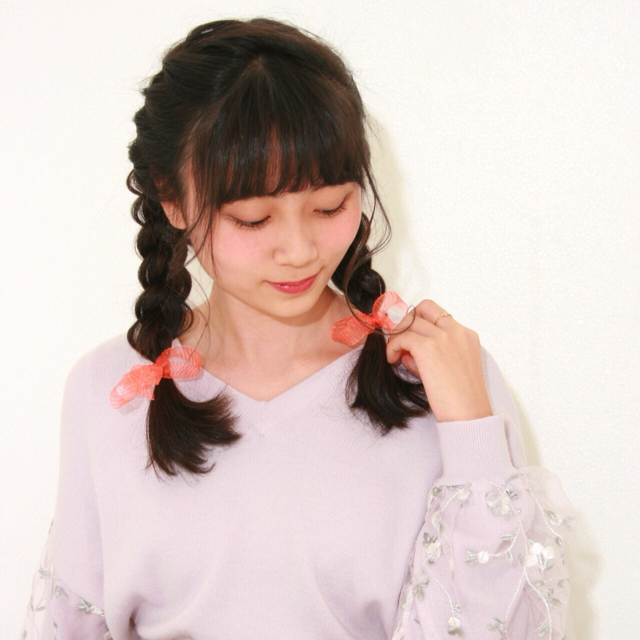 三つ編み&編み込みで大人可愛いスタイルに Aoki Haruka