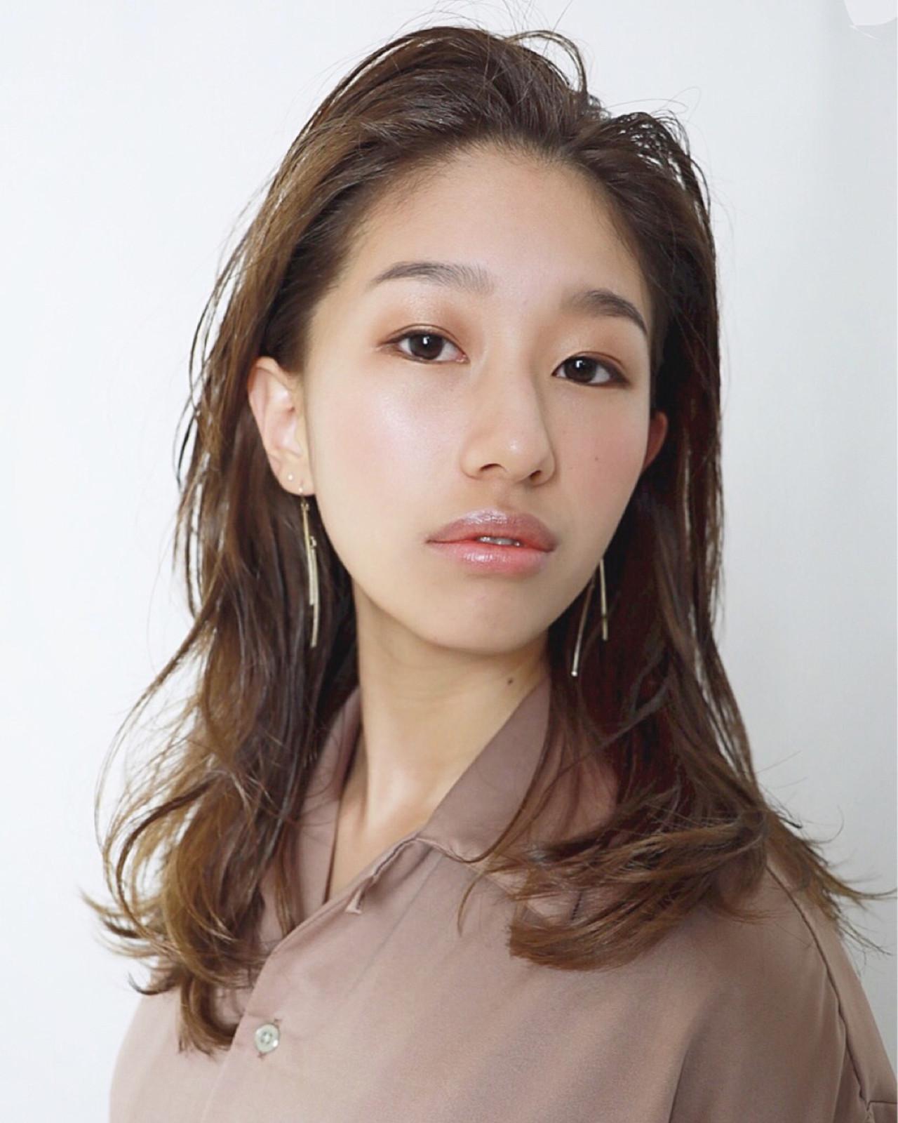 モード セミロング 前髪なし アンニュイ ヘアスタイルや髪型の写真・画像