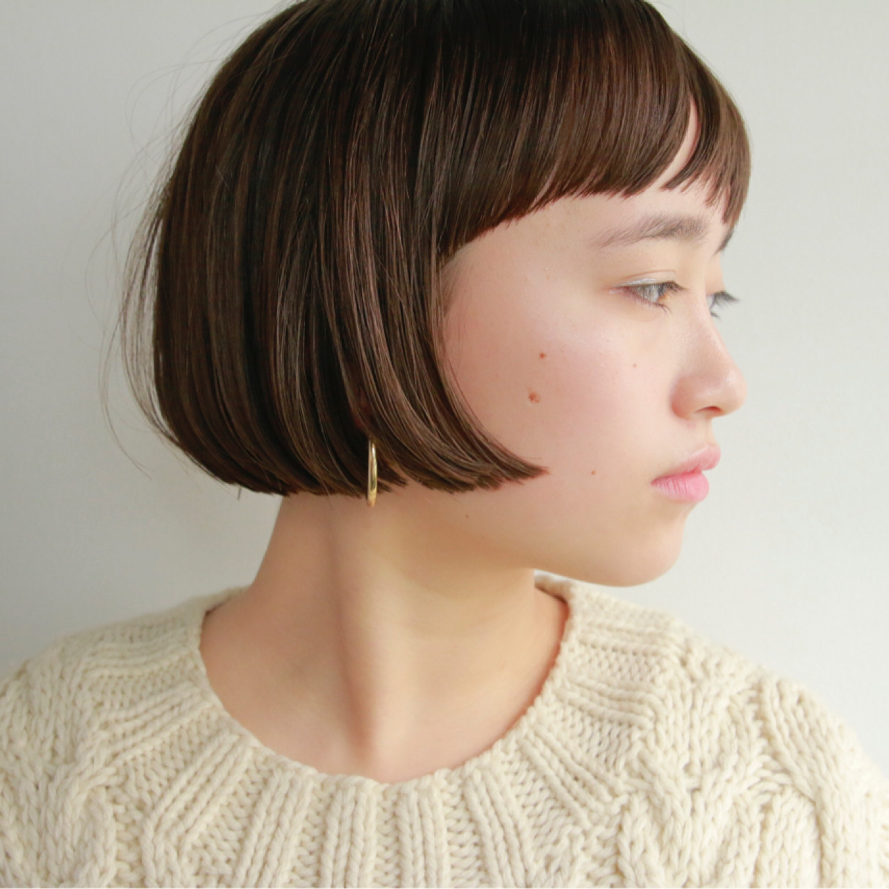 ボブ 秋冬ショート 前髪あり 切りっぱなし ヘアスタイルや髪型の写真・画像