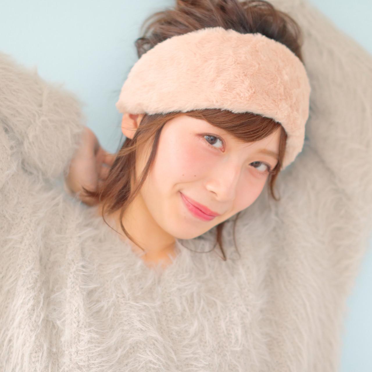 ミディアム ピュア ヘアアレンジ お団子 ヘアスタイルや髪型の写真・画像
