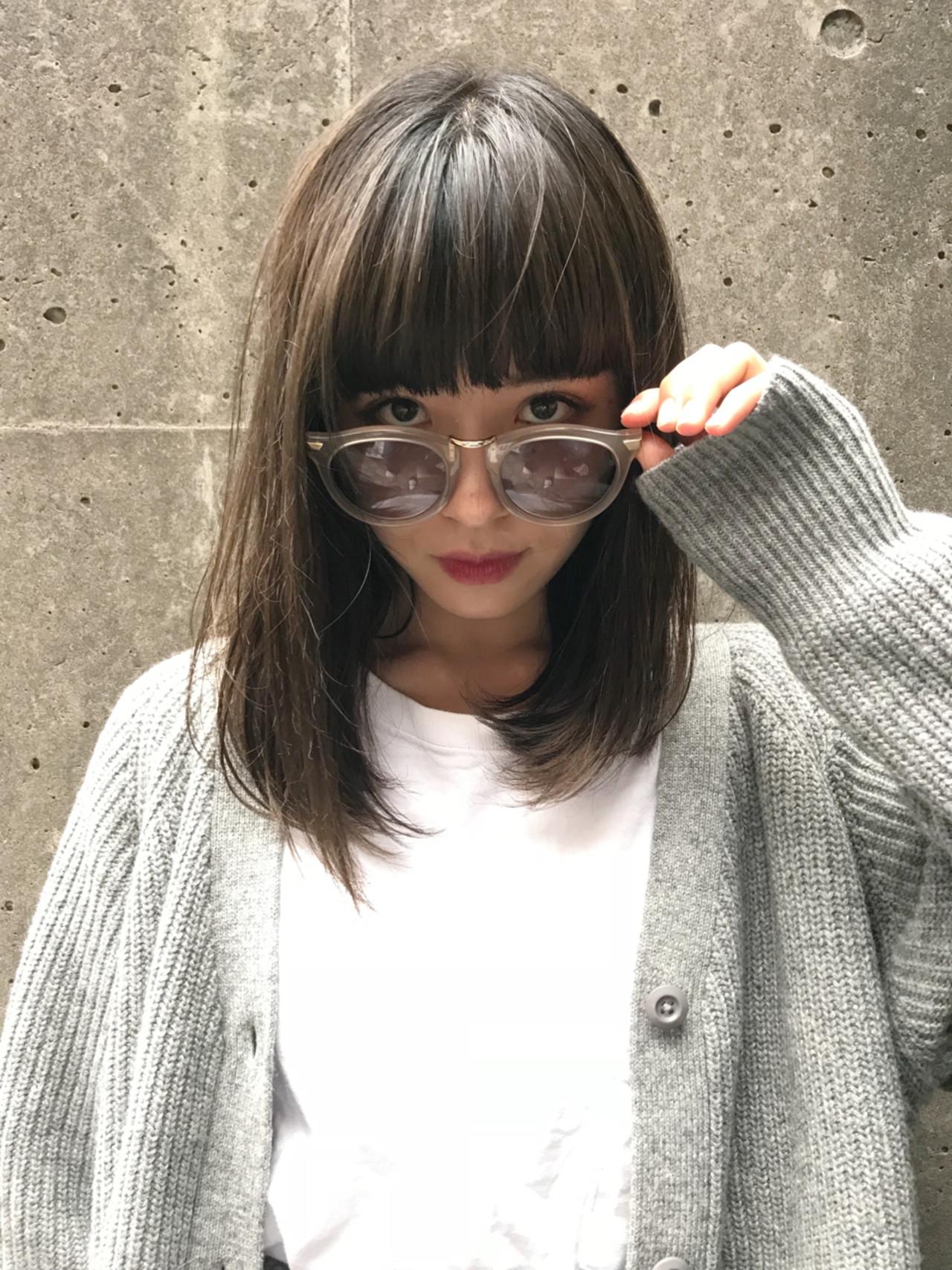 重めバングがステキ☆おしゃれ女子のミディアムヘア 内山 俊平【CORNER】