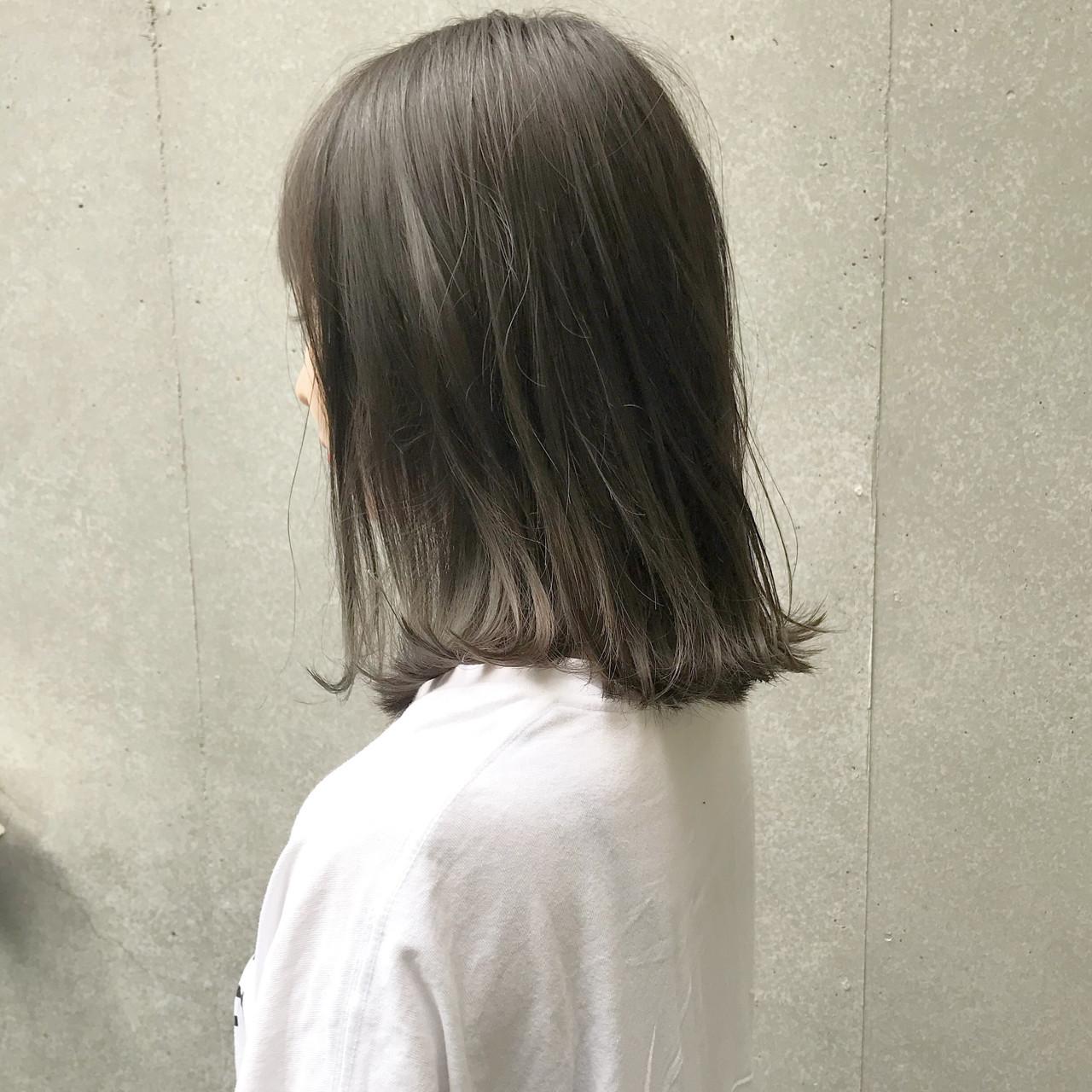 切りっぱなし ナチュラル ミルクティーベージュ グレージュ ヘアスタイルや髪型の写真・画像