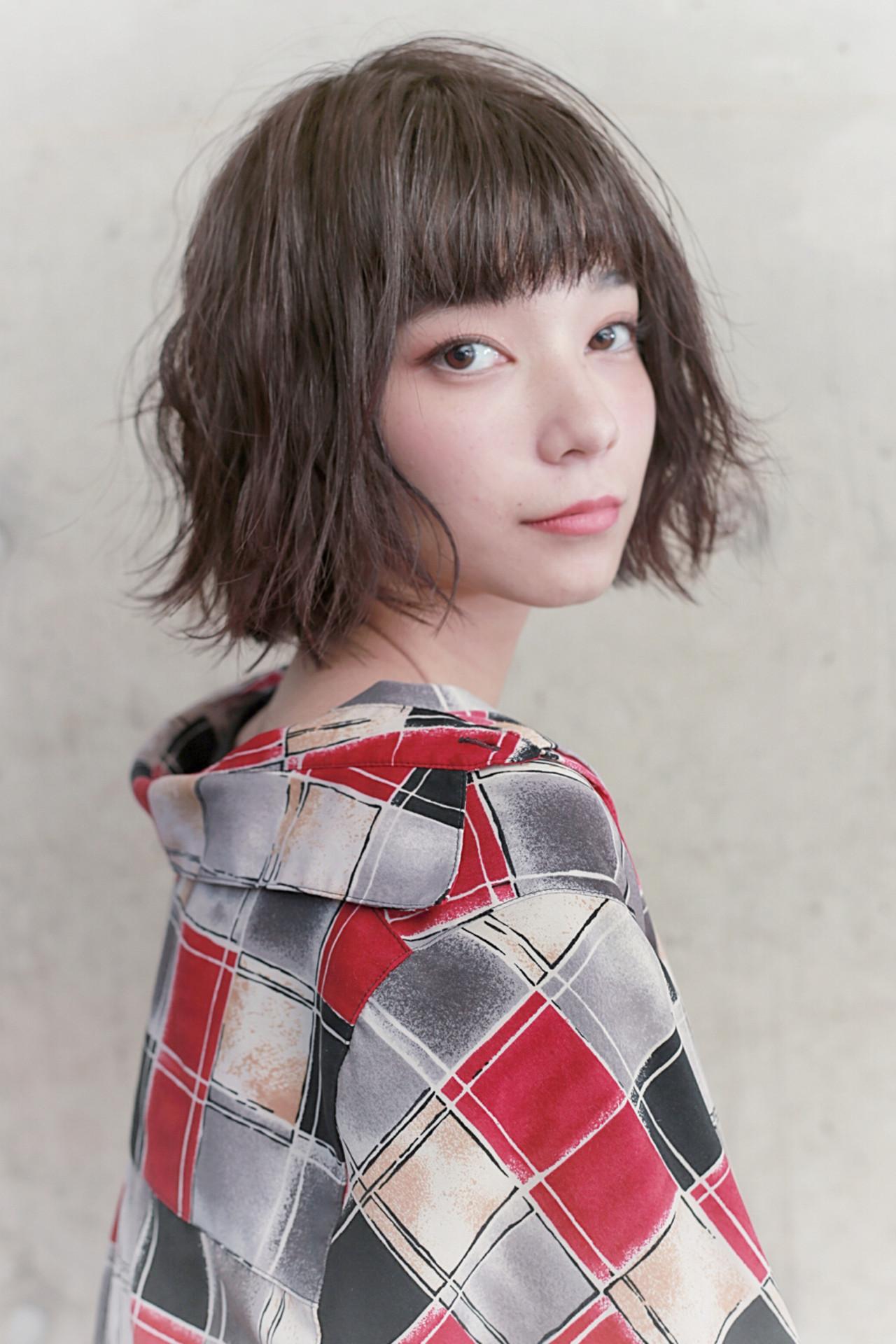 デート グレージュ フェミニン アンニュイほつれヘア ヘアスタイルや髪型の写真・画像