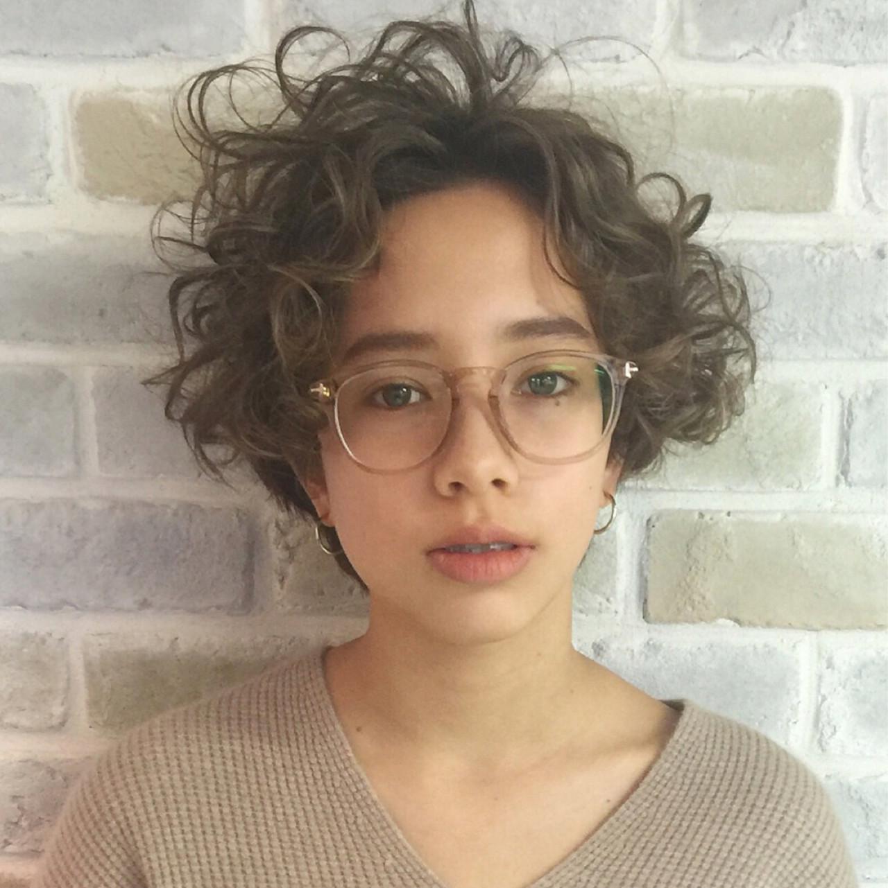 ストリート ショート ガーリー パーマ ヘアスタイルや髪型の写真・画像