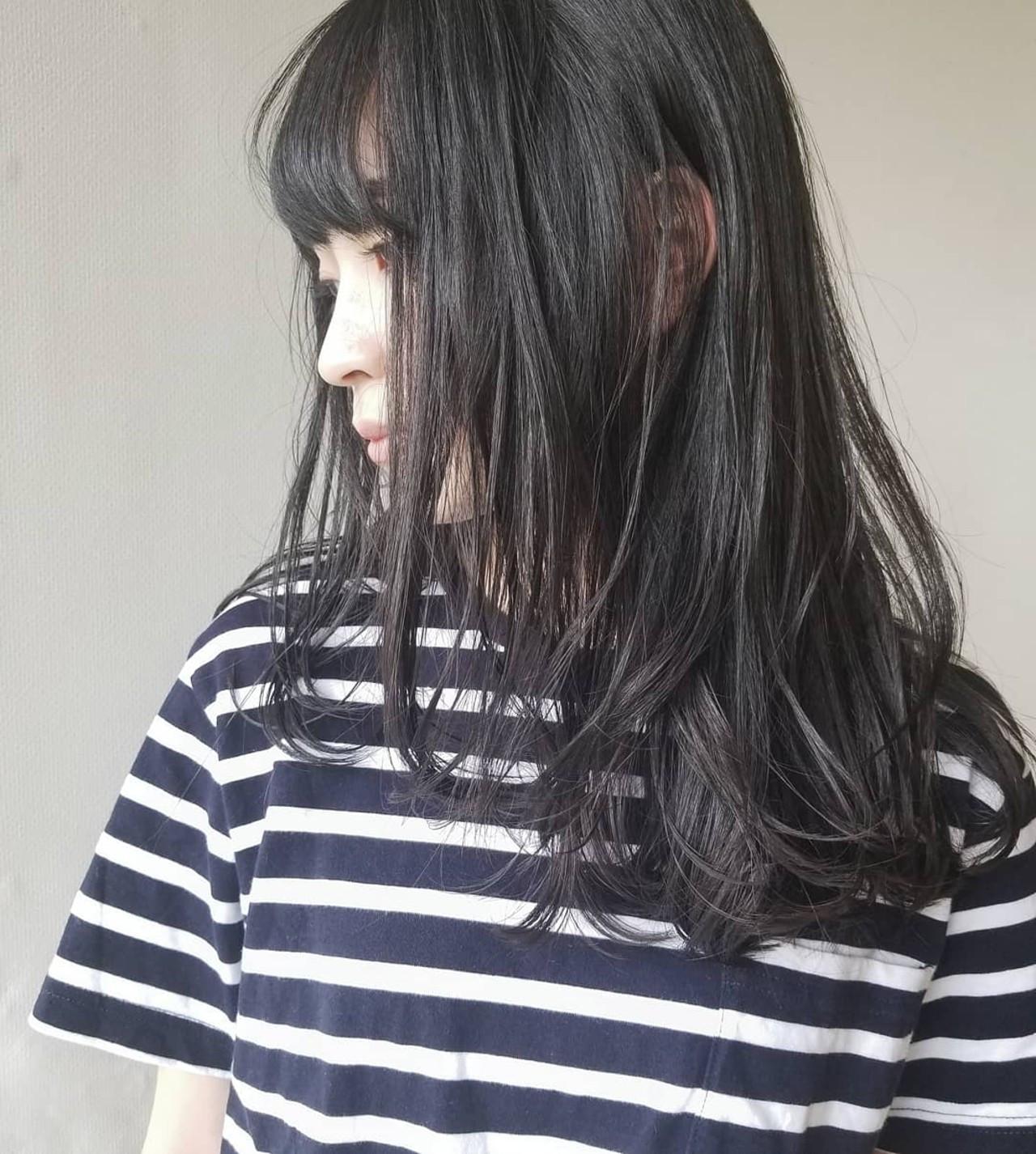 黒髪 透明感 セミロング ゆるふわ ヘアスタイルや髪型の写真・画像
