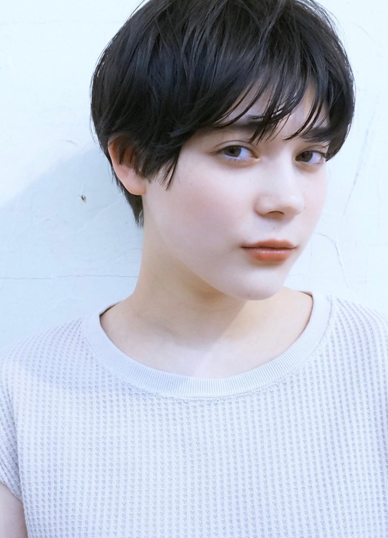 黒髪ショート 大人かわいい ショート ナチュラル ヘアスタイルや髪型の写真・画像