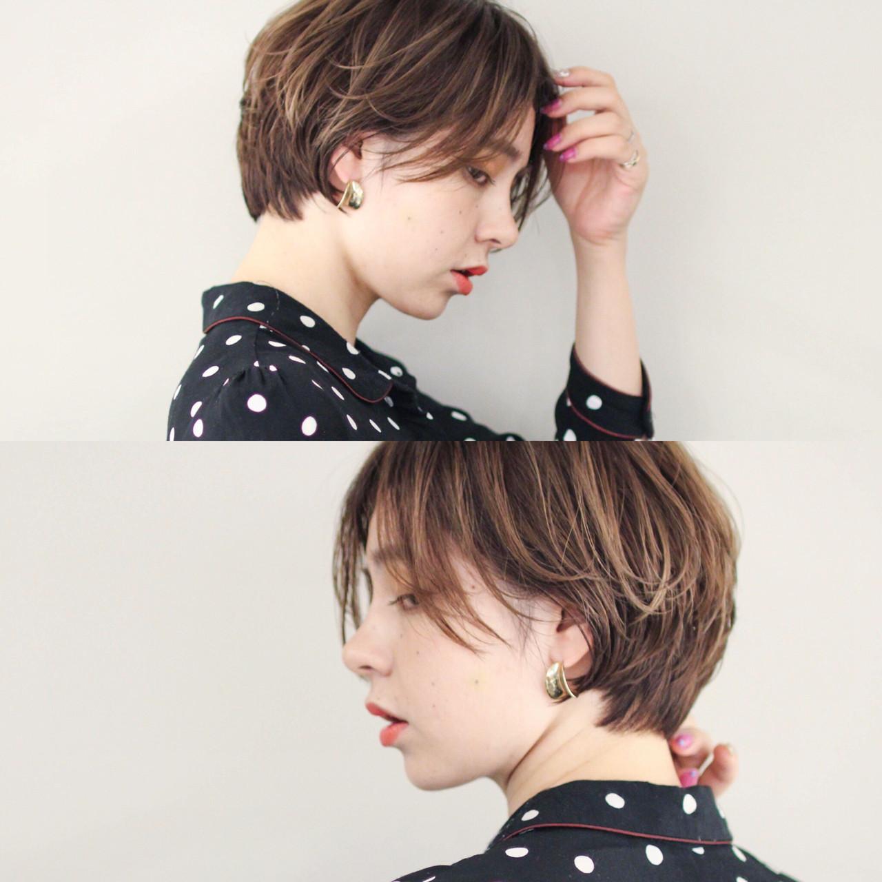 外国人風カラー グレージュ モード ショートボブ ヘアスタイルや髪型の写真・画像