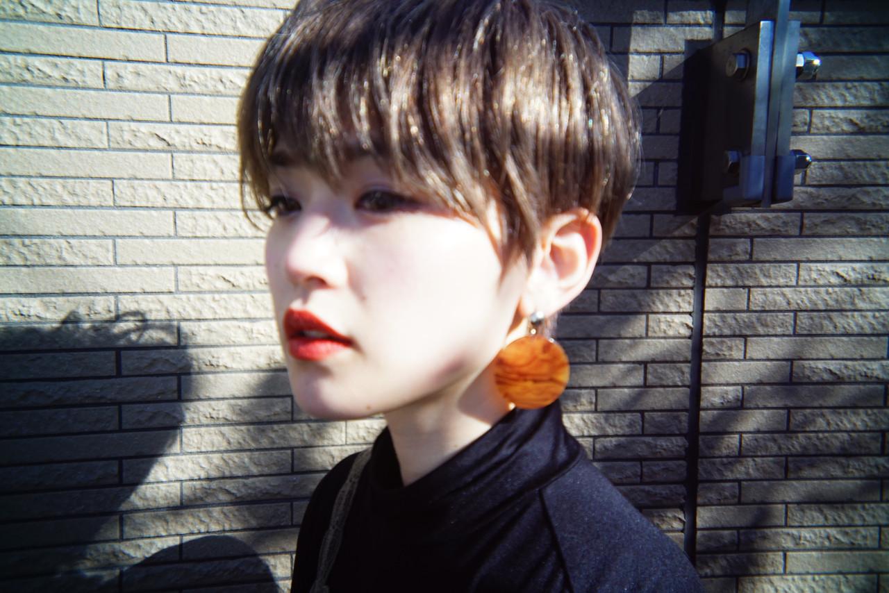 マッシュショート ナチュラル 大人かわいい アッシュベージュ ヘアスタイルや髪型の写真・画像