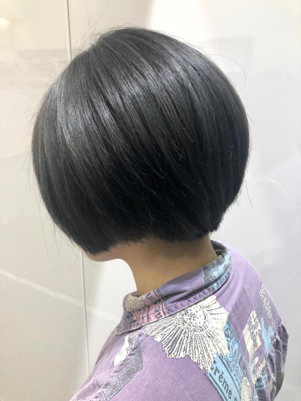 ダブルカラー ナチュラル グレー アッシュグレー ヘアスタイルや髪型の写真・画像