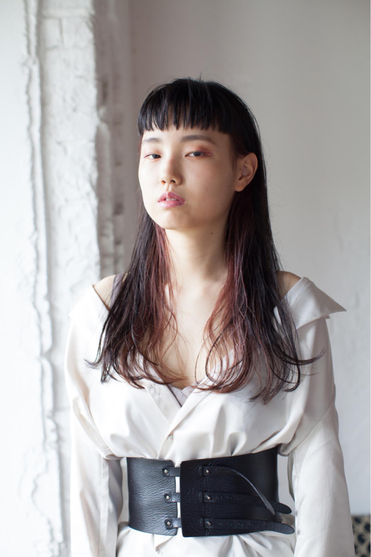 モード ロング ローライト インナーカラー ヘアスタイルや髪型の写真・画像
