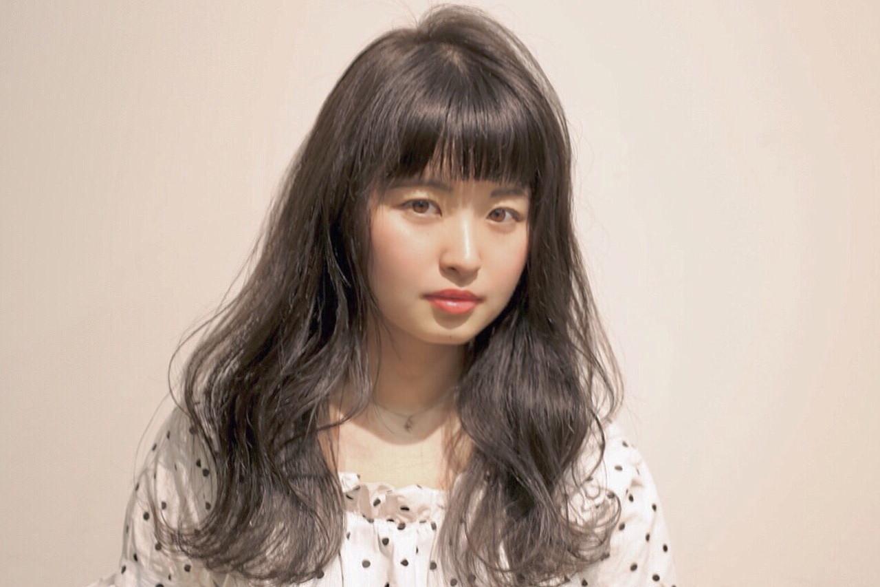 前髪ありでガーリッシュなくびれパーマ Reina