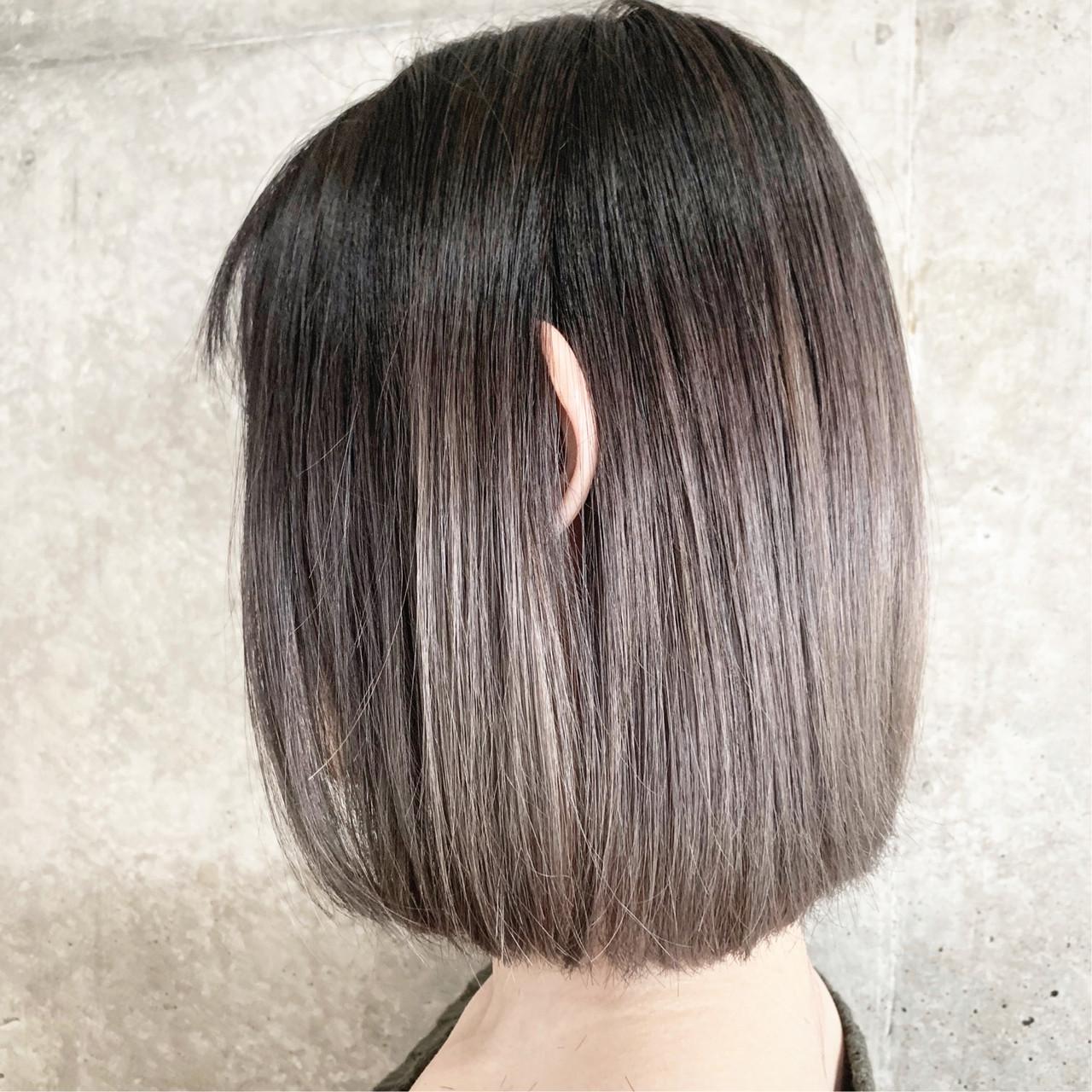 ハイトーン バレイヤージュ ボブ ナチュラル ヘアスタイルや髪型の写真・画像