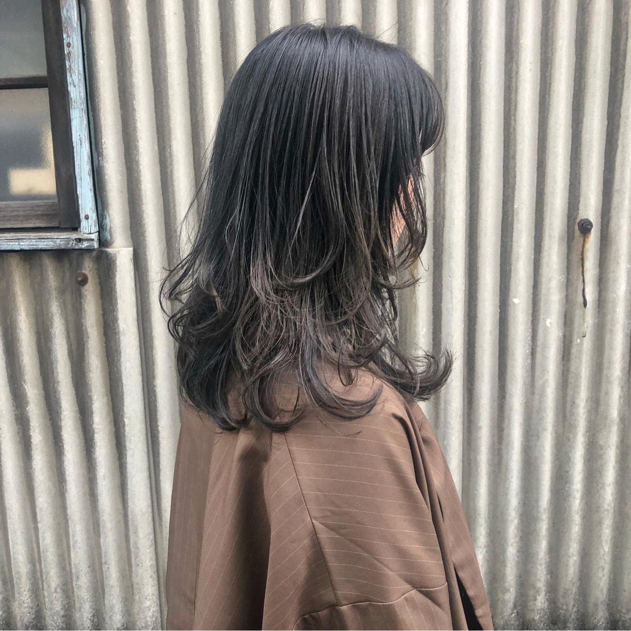 毛量感じさせない!プラスレイヤー×グレーカラーヘア 藤田成美 / oli