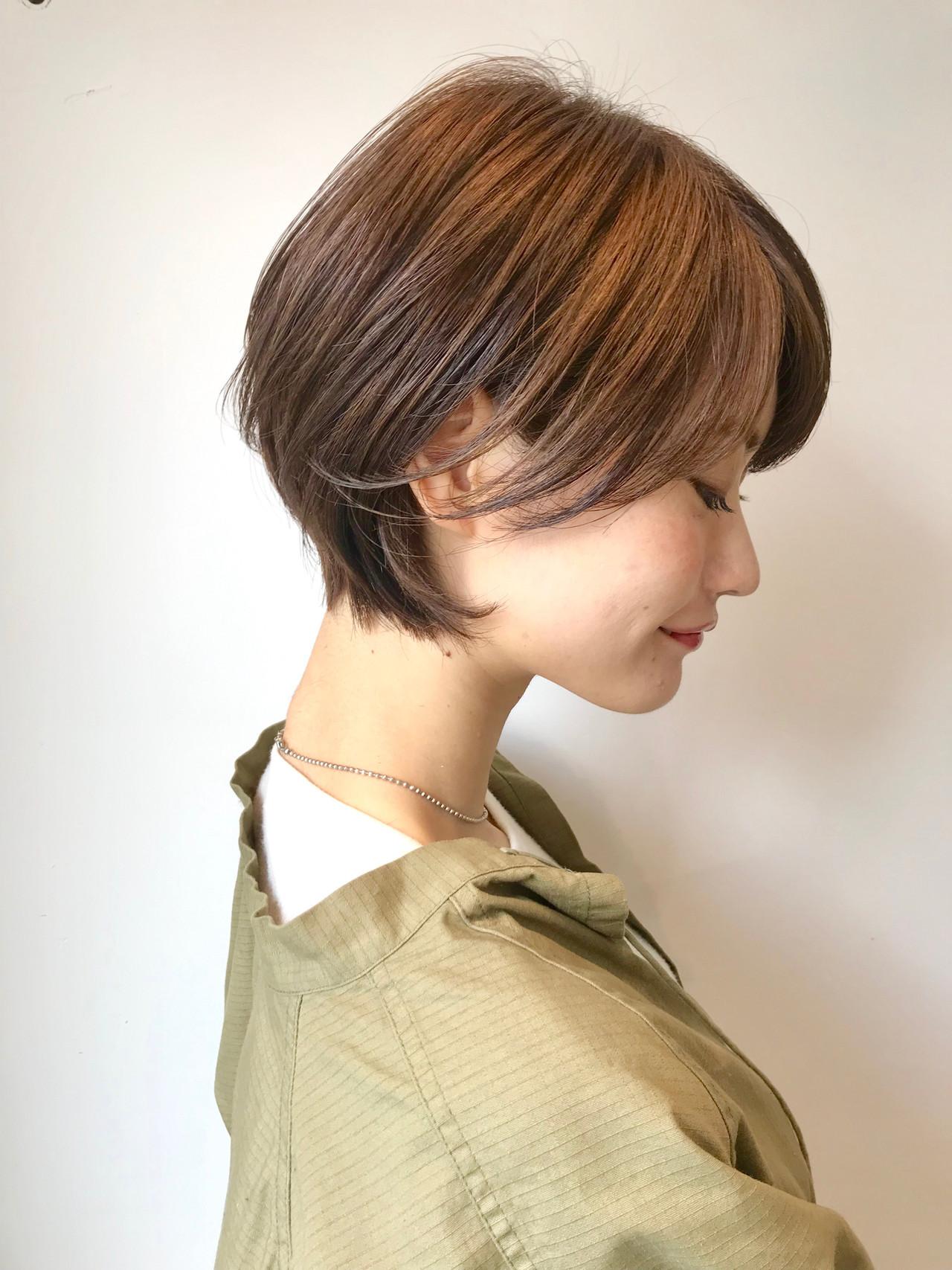 小顔ショート ショートボブ ナチュラル ハンサムショート ヘアスタイルや髪型の写真・画像