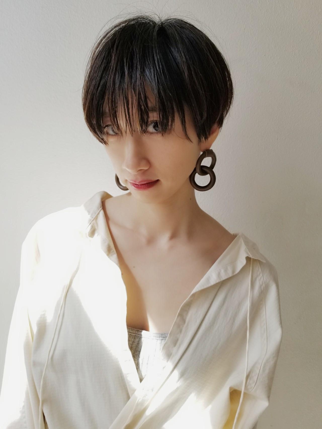 ぱっつん前髪のモードショートスタイル 川田 義人 GREEK hairdesign