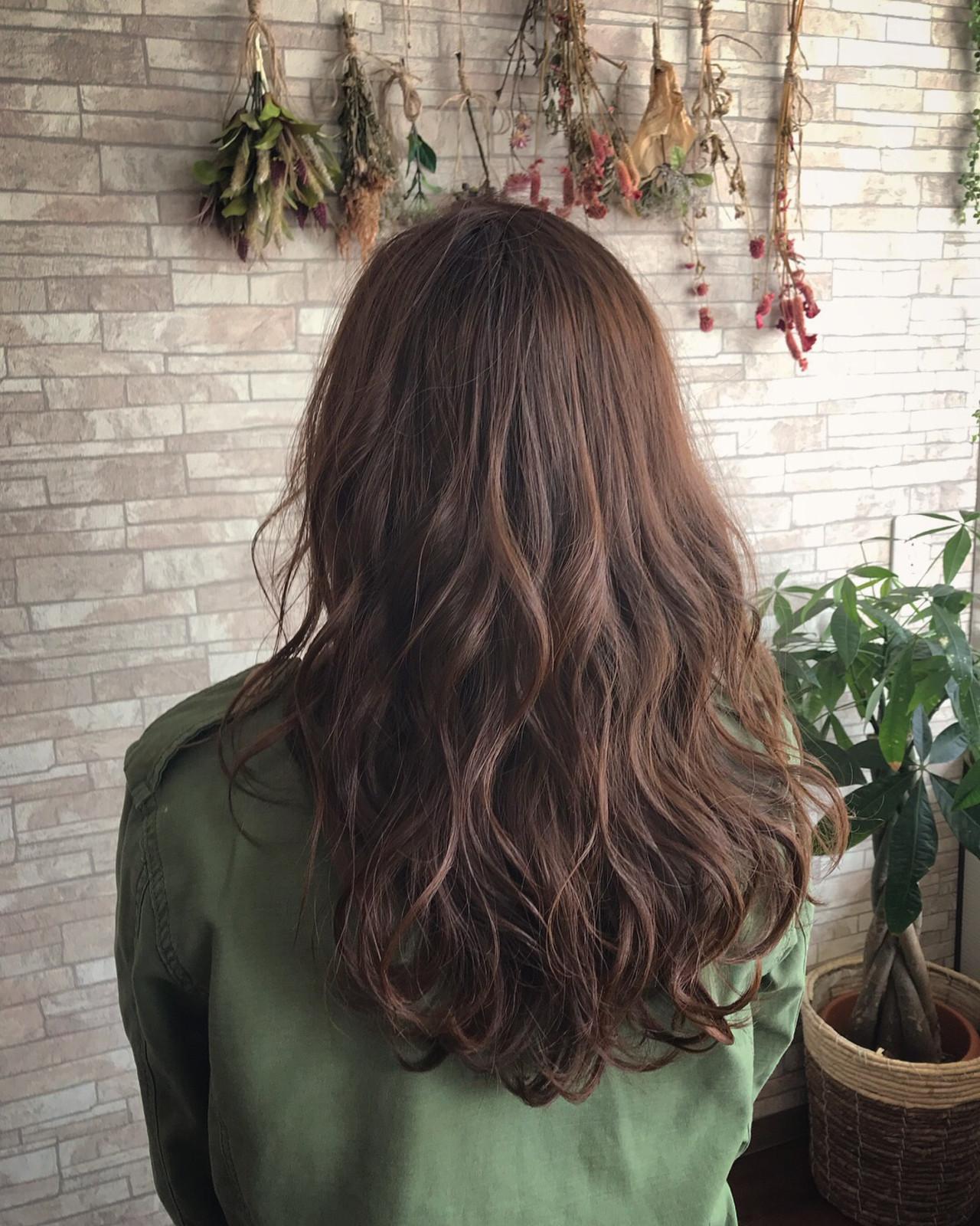 アッシュブラウン 大人ハイライト エレガント 大人女子 ヘアスタイルや髪型の写真・画像