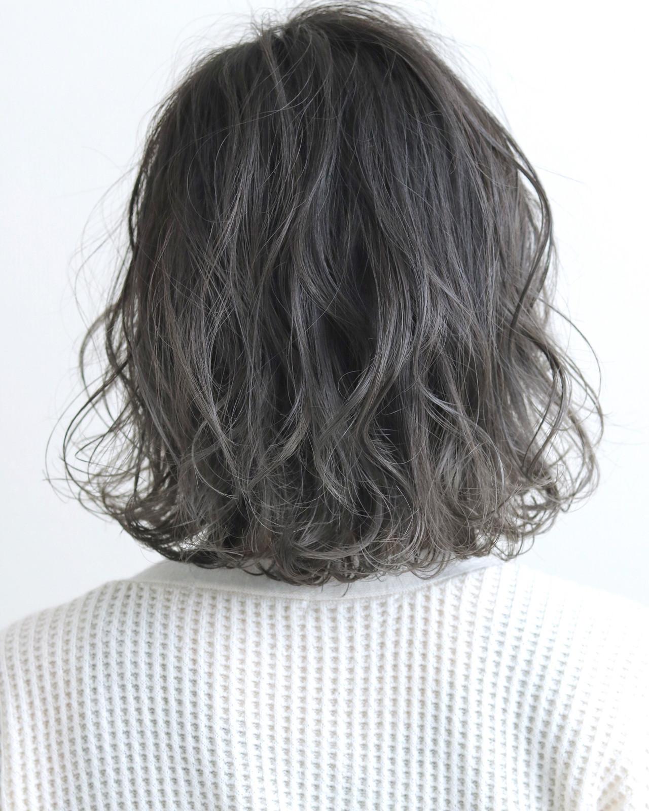 グレージュ グレーアッシュ グレー ボブ ヘアスタイルや髪型の写真・画像